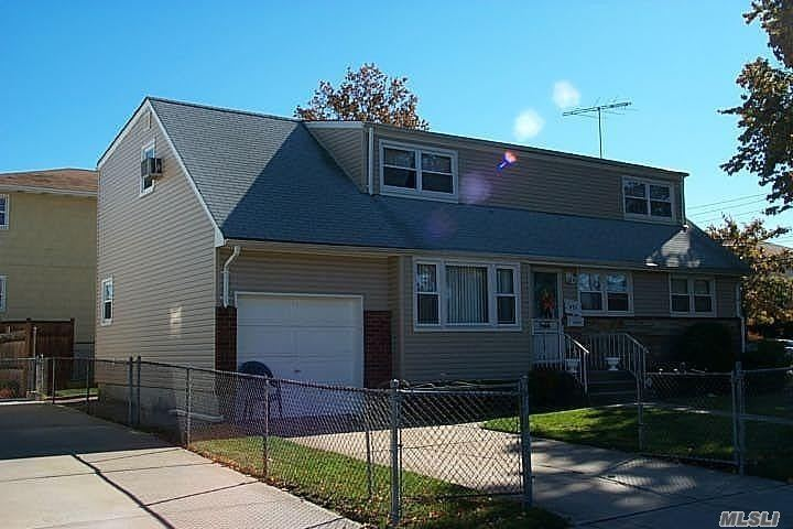 Large House With 6 Bedrooms, And 3 Full Bathrooms In The Heart Of Franklin Square. Close To Shopping Centers And Public Transportation. Gas Heat, Large Yard, In Ground Sprinkler System, Newer Roof, 2 Electric And Gas Meters And Much More. Upstairs Tenant Has A Lease Till April 2019.