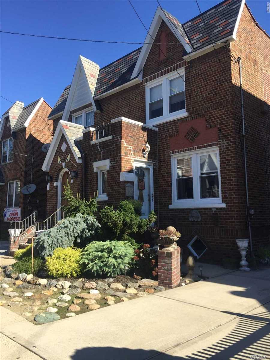 Beautiful Brick Town House, Semi-Attached, With Wood Floors, Large Kitchen, New Windows And Hot Water Heather, Private Driveway. Located In Floral Park-Bellerose Schools, Close To The Bellerose L.I.R.R