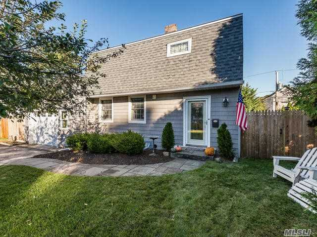 Carle Place Schools , An Extended Colonial With 3 Bedrooms, 2.5 Baths, Formal Living Room With Fireplace, Eat-In-Kitchen, Formal Dining Room, Large Den, Hard Wood Floors Upstairs, Central Air Throughout , Large Property All Fenced In, Close To All --