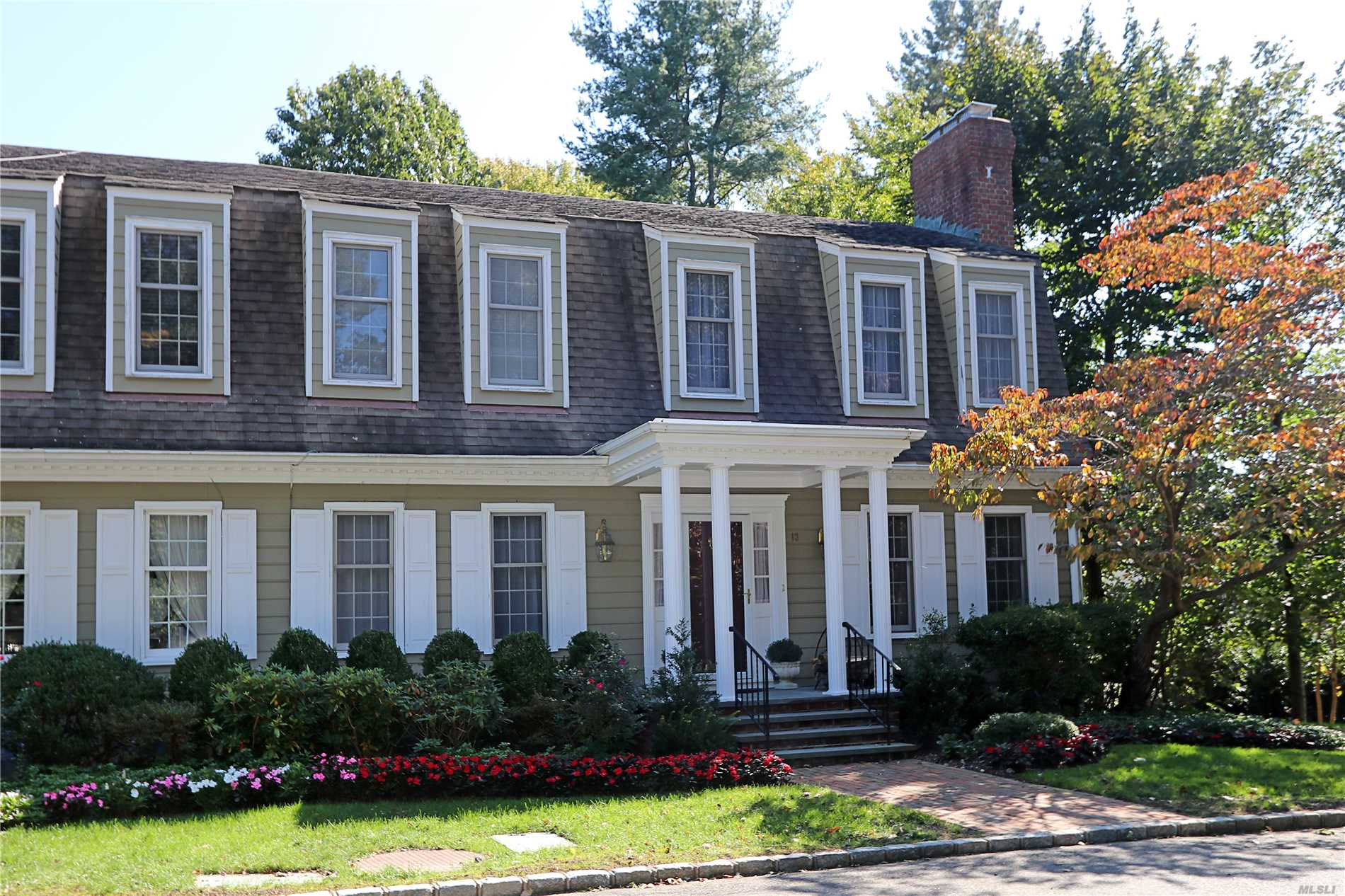 End Unit In The Most Private Location Of The Duke Of Gloucester. Enter This Beautiful 2 Bedroom, 2.5 Bath Townhouse And Enjoy The Many Details: Living Room With Fireplace, Dining Room, Den, Eat-In-Kitchen And Powder Room On First Floor. Second Floor Master Suite With Fireplace, Bedroom And Bath. Wonderful Patio And Garage, Lower Level Boasts Laundry , Office, Playroom And Storage. Must Be Seen!