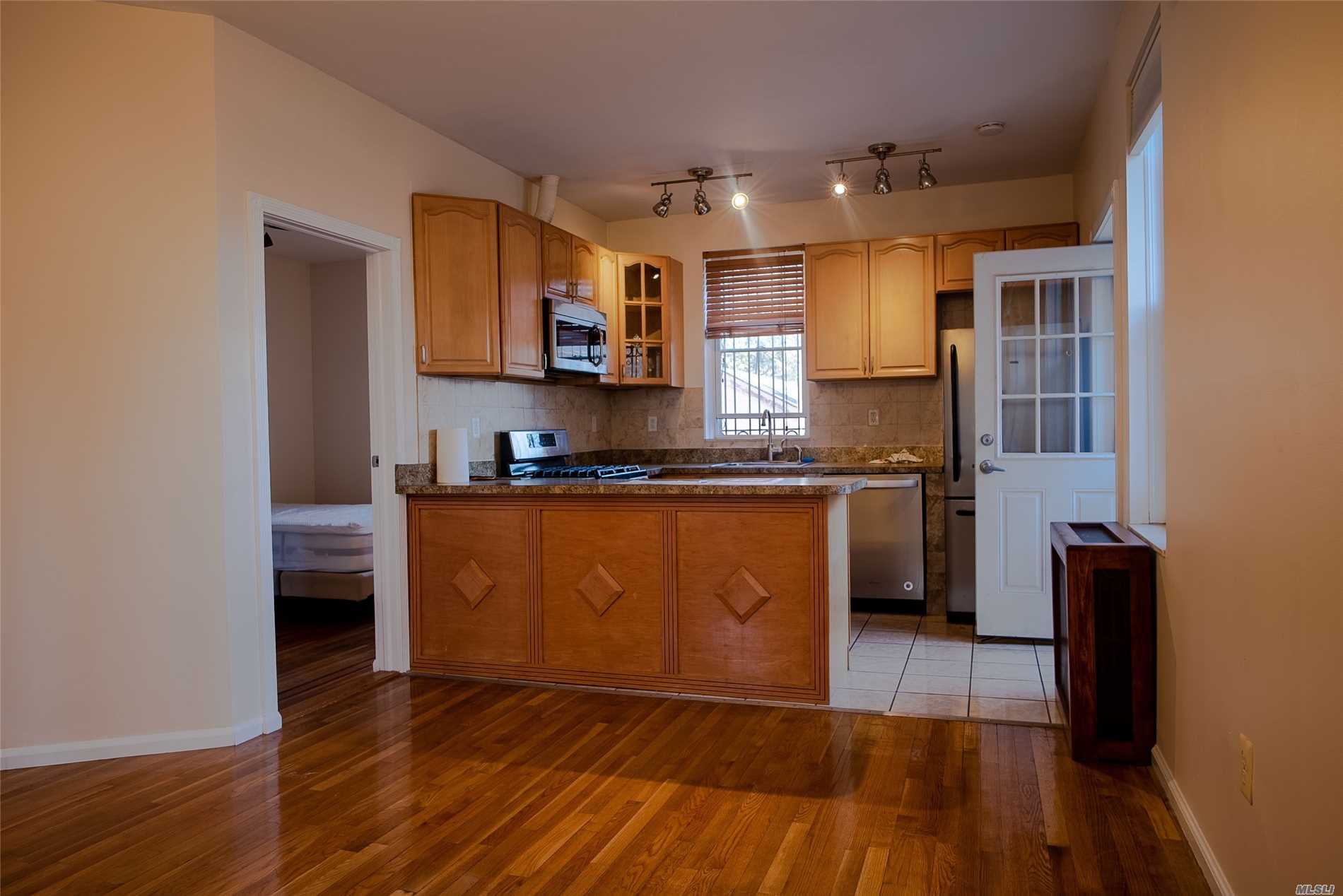 Beautiful, Sunlit 2 Bedroom In The Heart Of Astoria. Wood Floors Throughout. King Size Master Bedroom With Wall To Wall Closets. 400 Sq Ft Fully Fenced Private Outdoor Patio Space. Ductless Unit For Ac And Heat. Bus Stop On Corner(Q69), Q19 Bus Stop 1 Block Away, Less Then 1 Mile To Ditmar's Train Stop (N&W)
