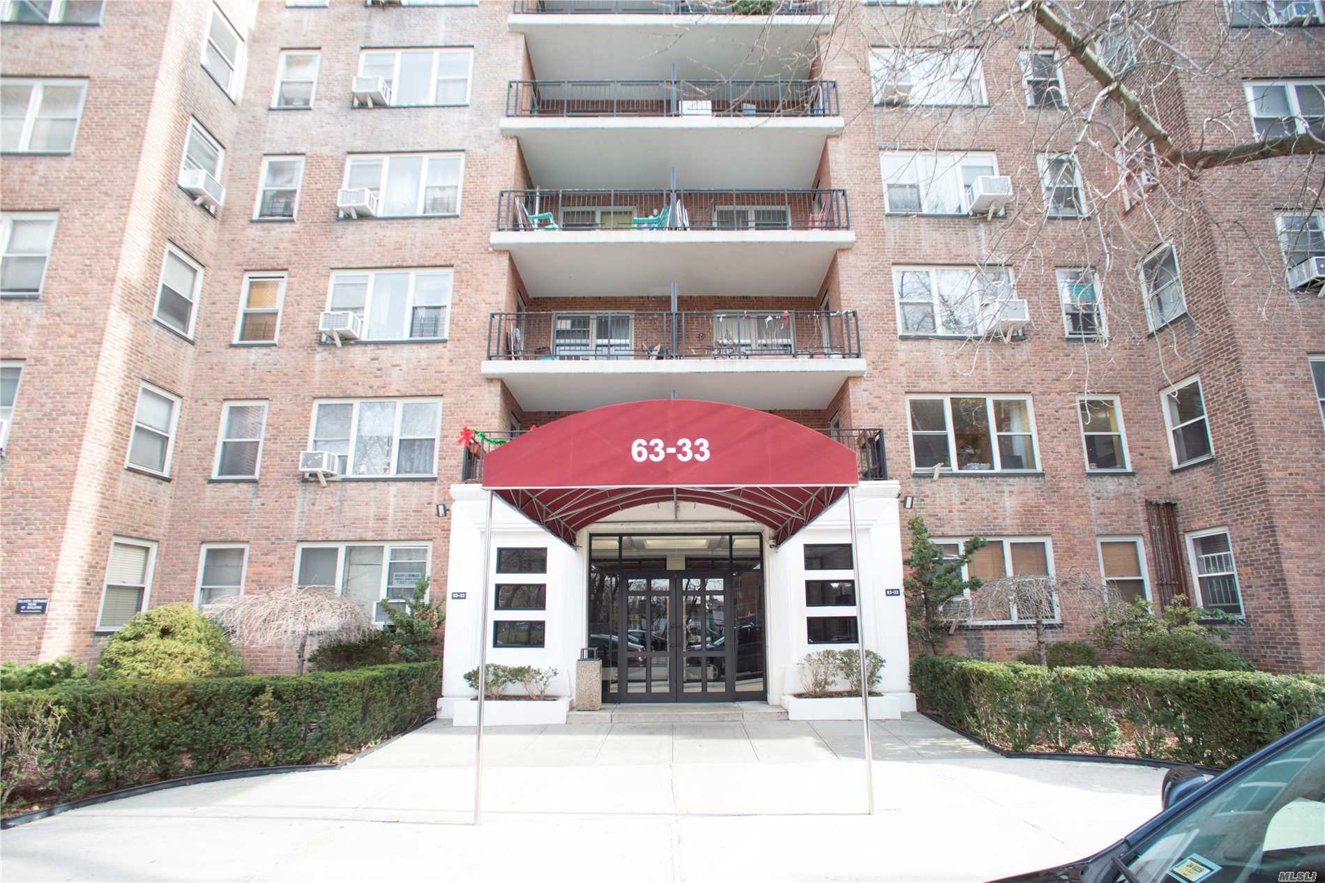 24 Hours Doorman With Laundry In The Basement, A Few Month New Elevator With Garbage Collect Room On Each Floor. The View Of Corona Park & 3 Blocks Away To Shopping Center - Rego Park Center,  Bright Rooms With Large Windows And 7 Walking Closets, Price Including An Indoor Parking Spot #44. New Ge Appliances (3-5 Year's Old) Refrigerator, Dishwasher, Gas Range & Microwave-Oven. 1 Min. Walk To Bus Stop Qm10, Qm11, Qm40. 2 Min. Walk To Q38. 3 Min. Walk To Q38, Qm12 & Qm42. 4 Min Walk To Q60, Q72.