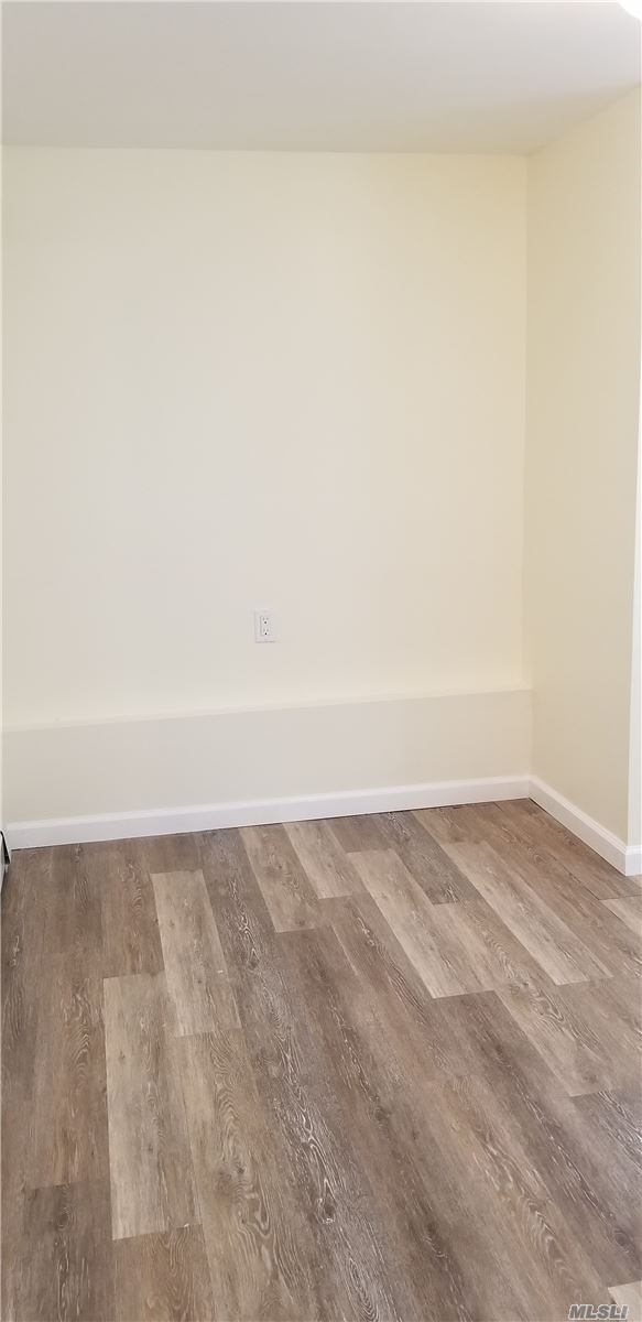 Great Two Bedroom Ground Floor Unit In The Heart Of The West End