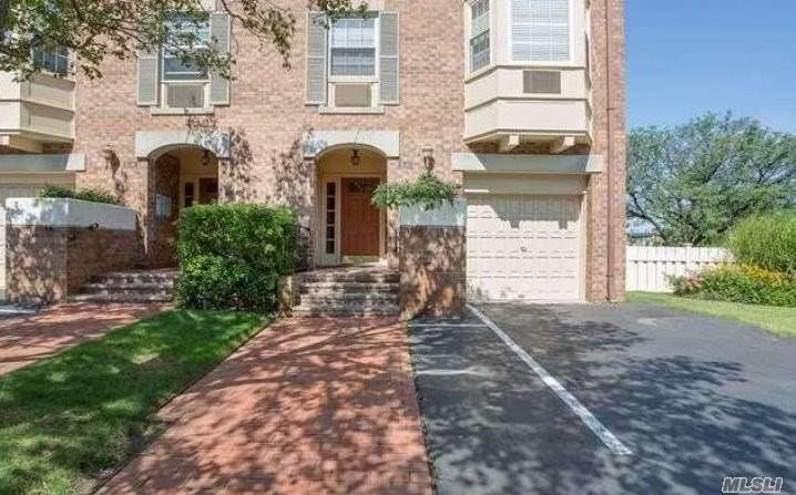 Beautifully Renovated 1 Bedroom, 1 Bath Unit In 24 Hr. Gated Community. 1Fl Plus Basement For Storage And Laundry Area, Large Patio, One Reserved Parking Spot Included. Amenities Include, Clubhouse, Health Club, Fitness Classes, Sauna, Outdoor Pool, Basketball, Racquetball And Much More! Short Distance To Close To Buses And Lirr.