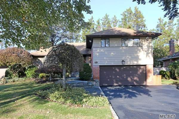 This Warm And Cozy Split Is Filled With Light And Charm! 3 Bdrms, 2.5 Bths,  Flrm,  Fdrm, Eik, Open Layout And Spacious ! This Home Comes Furnished And Ready For Occupancy Between Mid December And January Of 2019. Gas Heat, Cac, Washer/ Dryer, Landscaping Included, Except Snow Removal. Utilities To Be Paid By Tenant. Syosset Schools.No Smoking, Small Pets Ok.