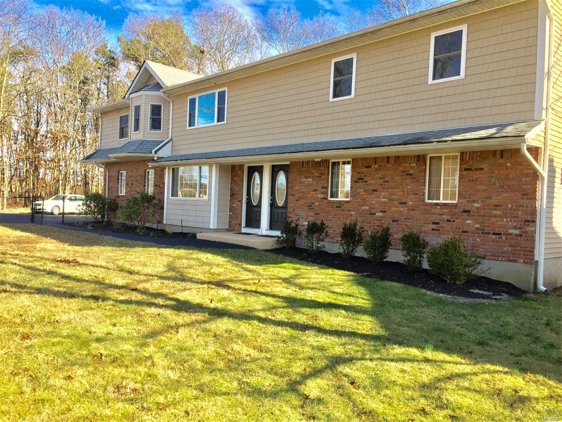 5 Bedroom 2 Bath Beautifully Renovated New Kitchen And Baths. Washer/Dryer,  Gleaming Hardwood Floors . 1 Bay Of The Garage,  Asphalt Driveway Parking. Private Yard And Deck ! This Spacious Top Floor Of A Duplex Is A Must See.