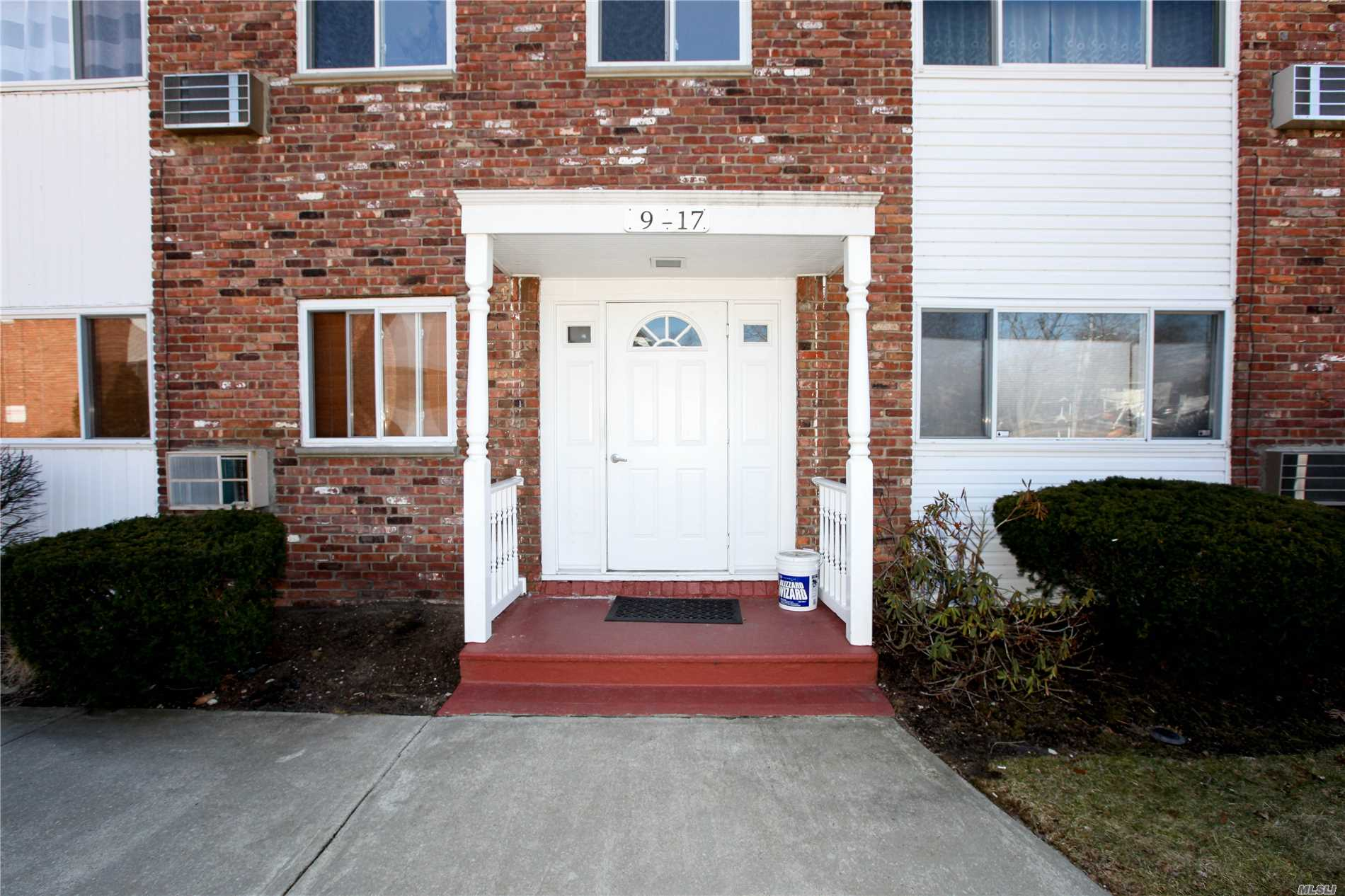 Lovely One Bedroom Unit With Easy Access To All, Very Centrally Located. Very Nice Size Bedroom With Walk-In Closet And Updated Bath. Well Maintained Hardwood Flooring And Alot Of Storage. Laundry Area In Development. Heat Is Included .