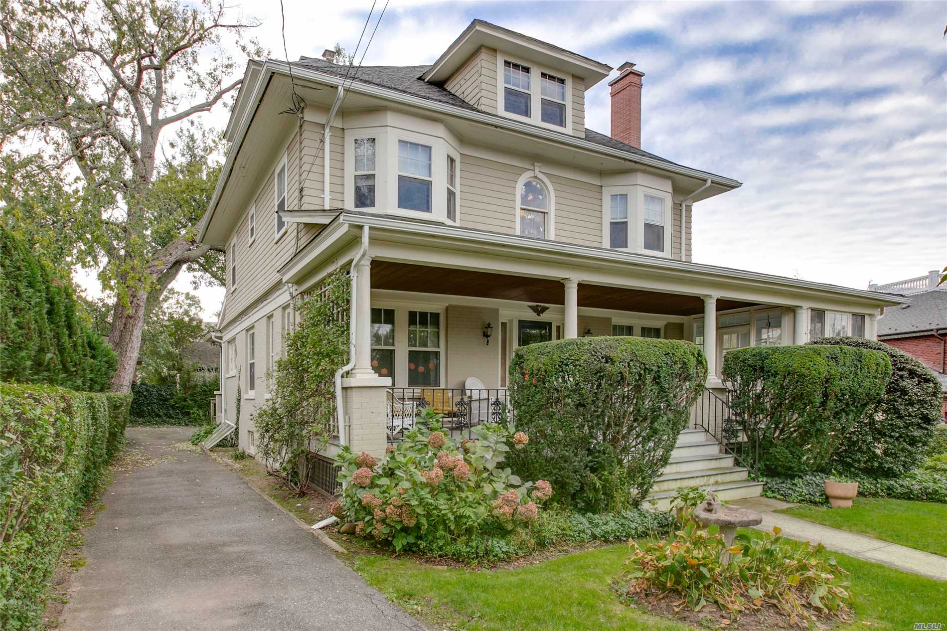 Renovate A Classic 1920 Douglaston Property In The Heart Of Douglas Manor, Just Steps From The Water. Sitting High, This 6 Bedroom Colonial Features High Ceilings And Large Rooms, With Gorgeous Waterviews. Come See Nyc's Best Kept Secret In Douglas Manor!