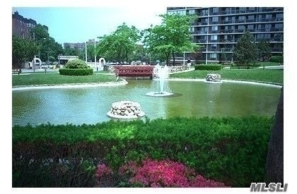 Priced To Sell !!  Deluxe Large Apt,  2Bd 2 Bath, Views,  High Floor, Terrace, Desirable Se Exposure, Solid Maple Wood Floors, Etc..
