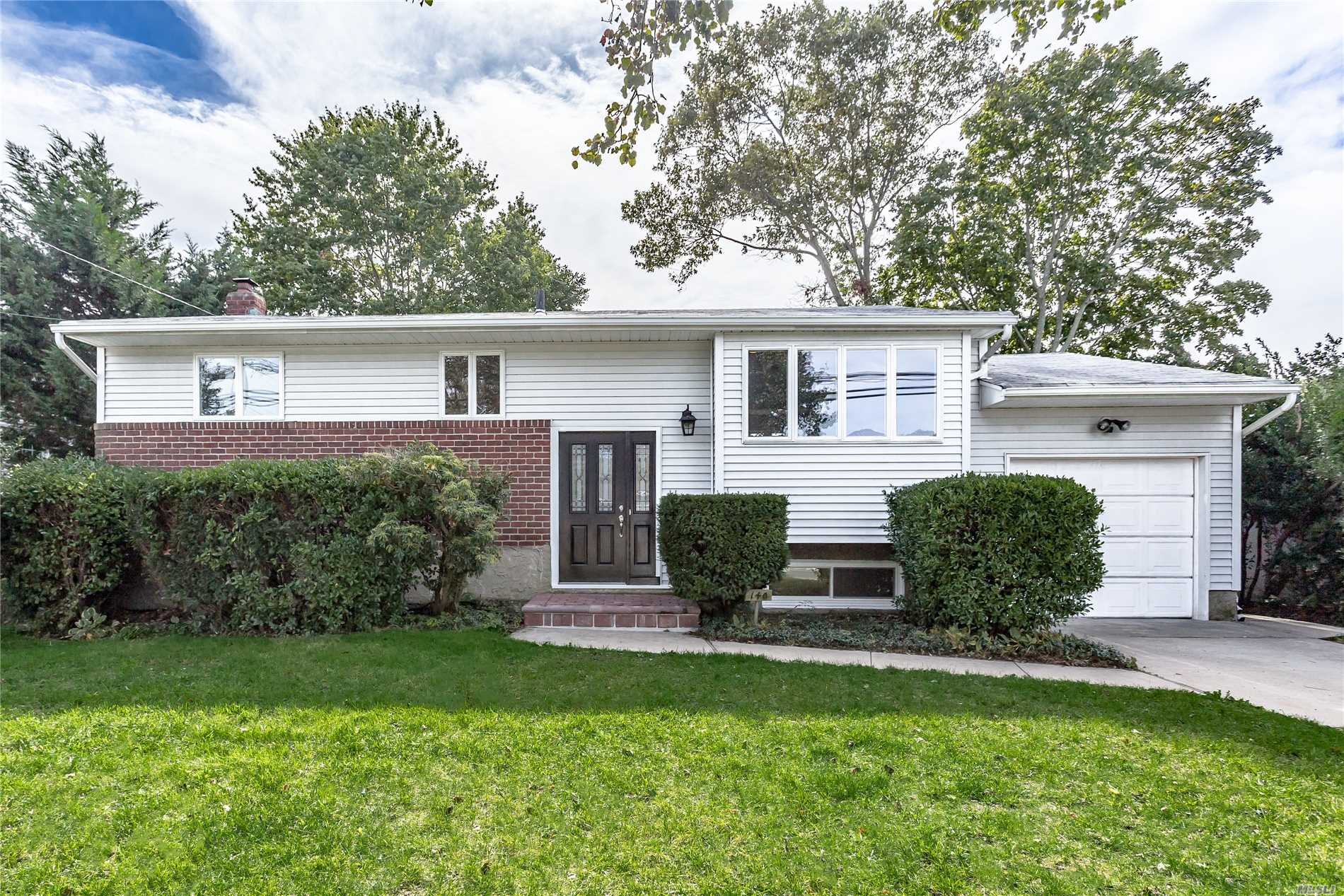 Mint Raised Ranch Features 3/4Bedrooms, 2 New Full Baths, Large Den, New Kitchen With Granite Island And Ss Appliancesnew Gas Fired Boiler W Sep Hw Heater, New Central Air, New Paver Patio.Garage Access Through Interior(Ose) Walk To Trails And Preserve