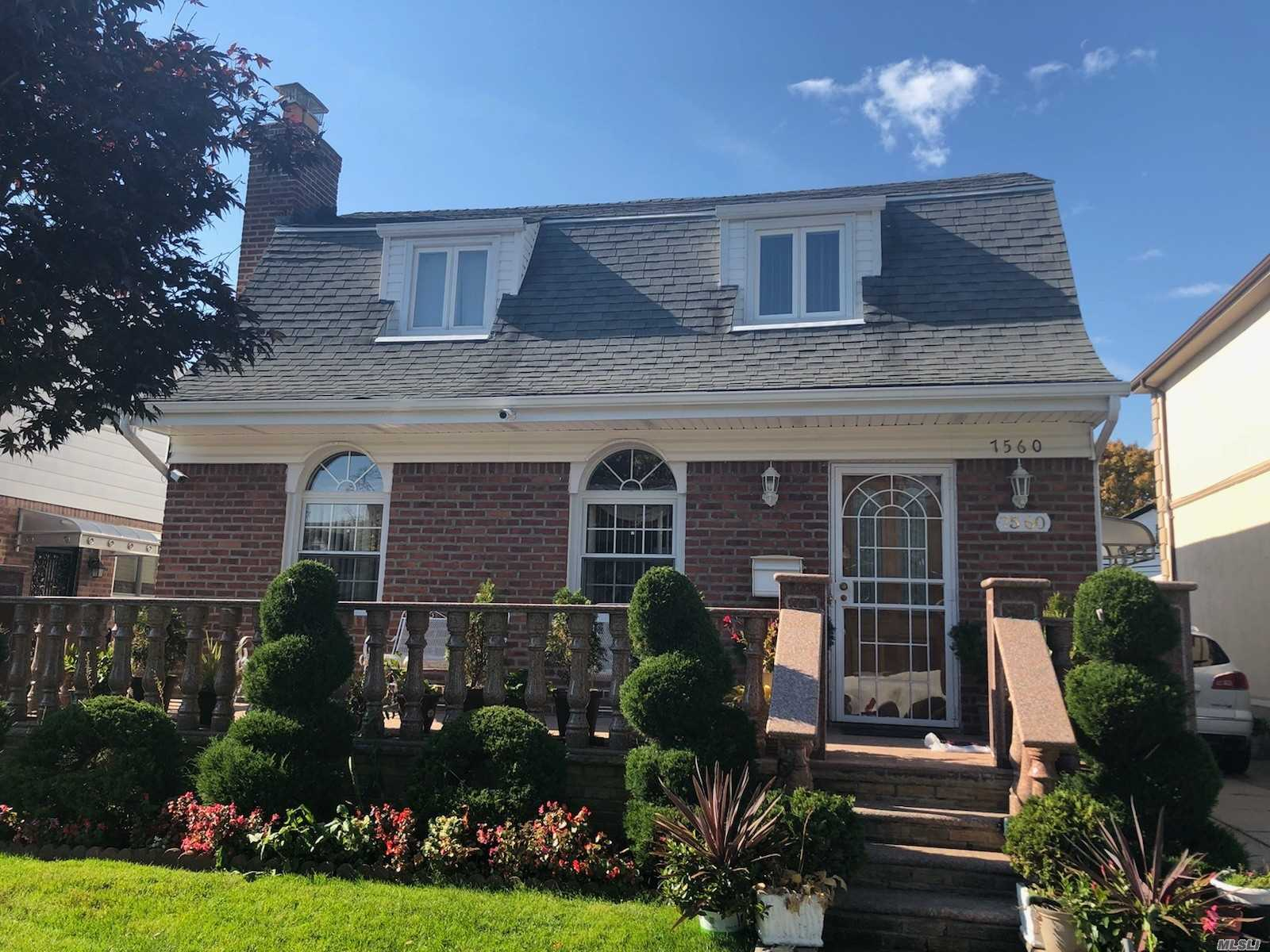 Gorgeous Huge Gross Morten House 27/42 Fully Remodeled With 6 Bed 3 Full Bath New Beautiful Kitchen With Bar , Finished Basement With Separate Entrance Backyard , Garage Steps To Union Tupk, Many Extras , Must See To Appreciate It.