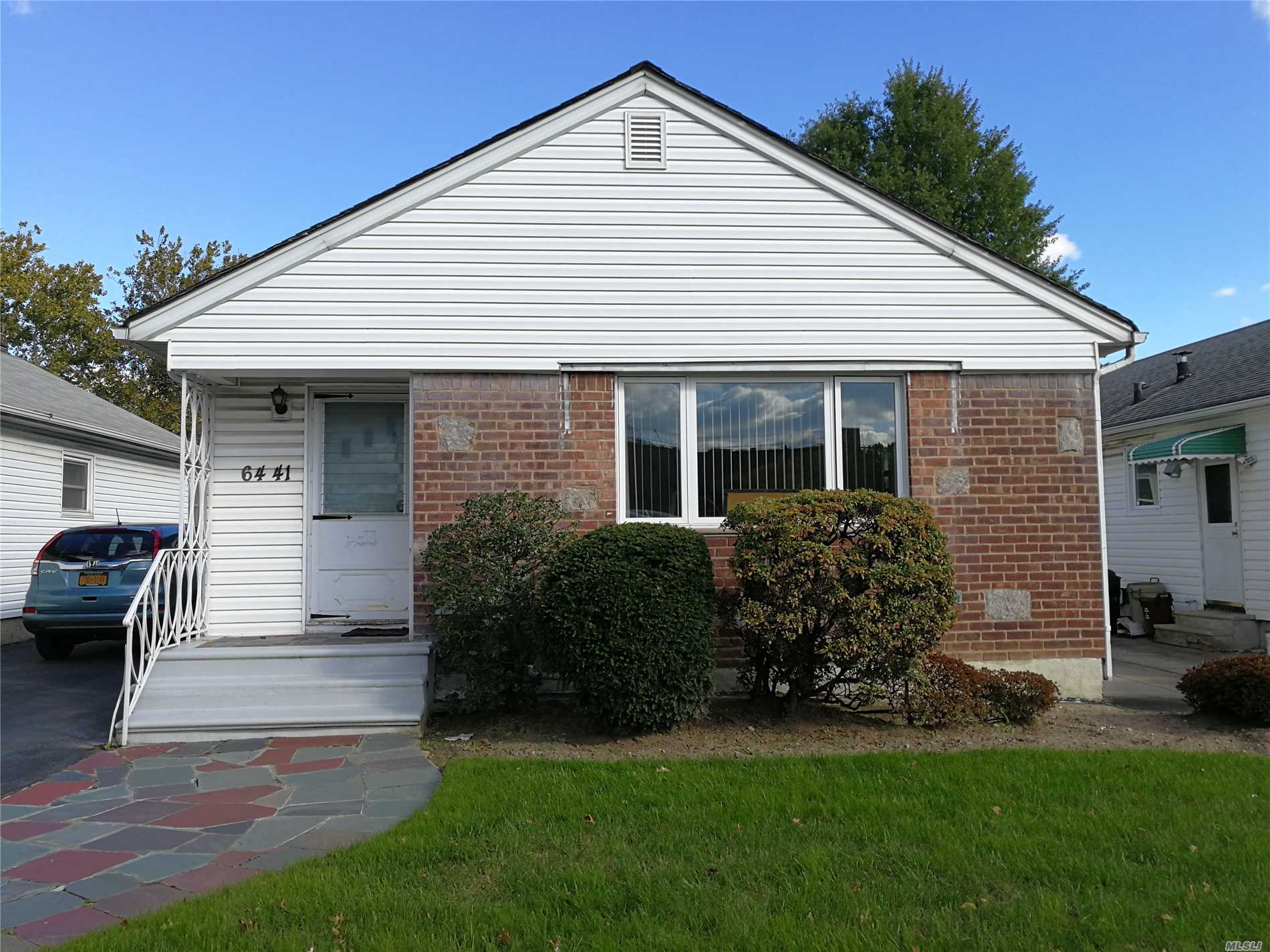 Mint Condition Ranch House Situated In Prime Neighborhood Of Fresh Meadows. It Features 3 Bedrooms, 2 Bathrooms, Eat-In Kitchen With Builtin Dining Counter, Living Room, Formal Dining Room, Full Finished Basement, Long Private Driveway, Detached Garage And Beautiful Backyard. The Property Has Lot Size Of 40X97.42 And Building Size Of 25.67X48.17. It Is Only Two Blocks To Q17, Q88, Q30, Q31 Bus Stops And It Is Close To Schools, Highways, Shops, Parks And All. School District #26. A Must See.