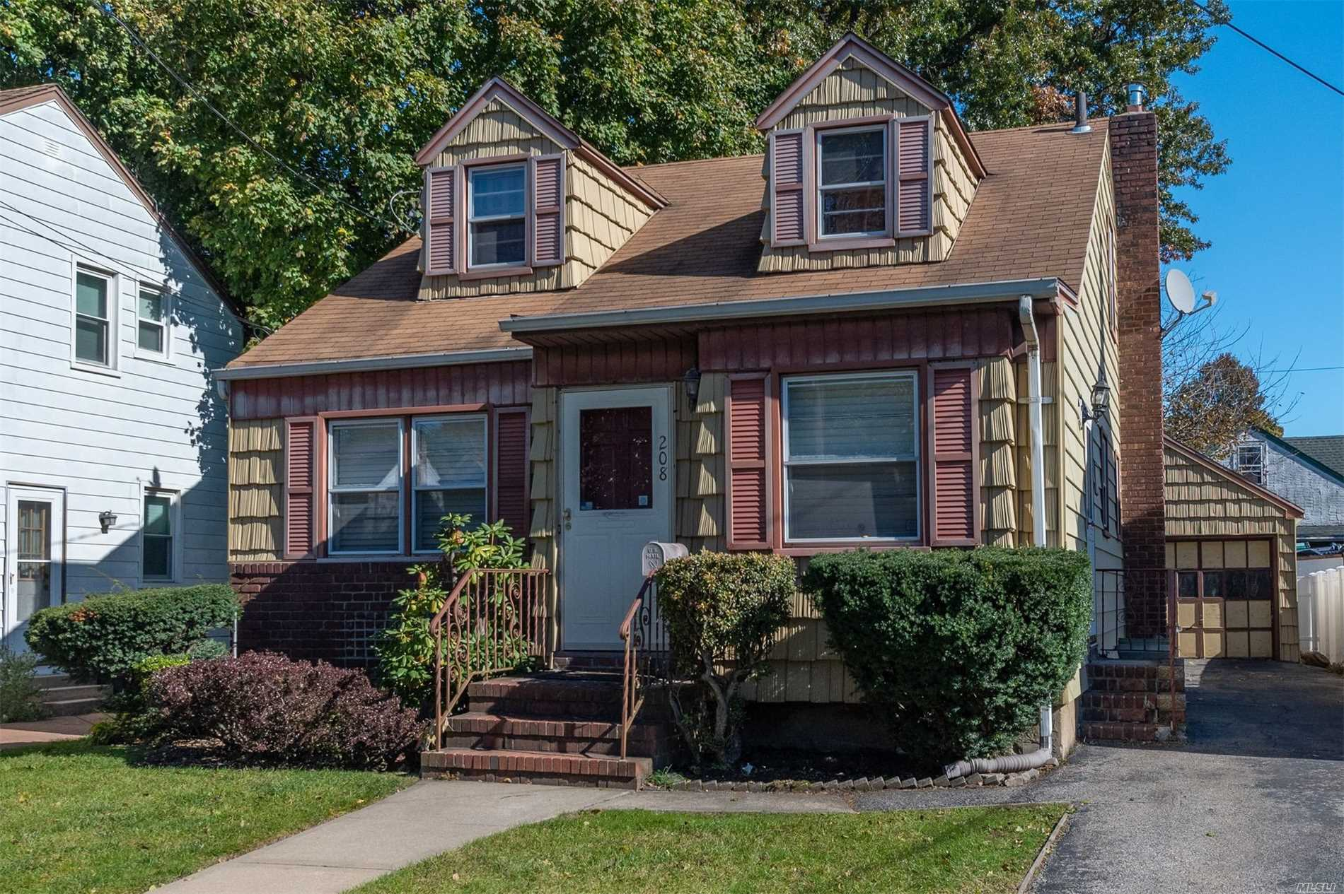 Looking For That Perfect Home In Hempstead? This Lovely 3-Br, 1-Bath Cape Has Hardwood Floors, Plenty Of Closets, And A Newly Renovated Bathroom That You And Your Family Will Be The First To Enjoy! This House Is In The Uniondale's School District. This Could Be The One That You And Your Family Could Grow And Create Plenty Of Memories. Visit This Home To Feel The Love That You're Looking For.