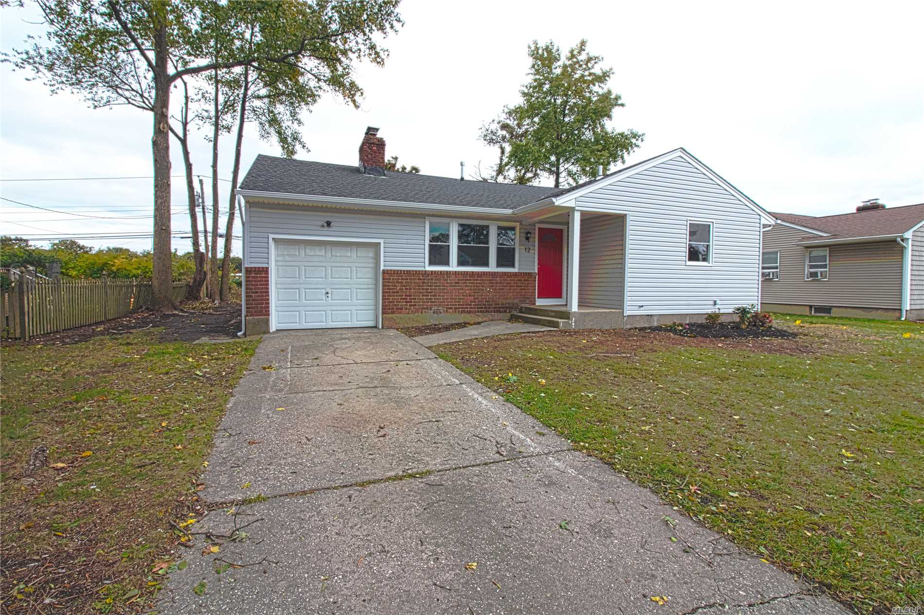 Totally Renovated 3 Bedroom 2 Bathroom Ranch. Open Floor Plan, Living Room, Dining Room, Kitchen With Stainless Steel Appliances. One Car Garage. Full Finished Basement With Full Bathroom.Gas Central Heat.New Roof And Vinyl Siding