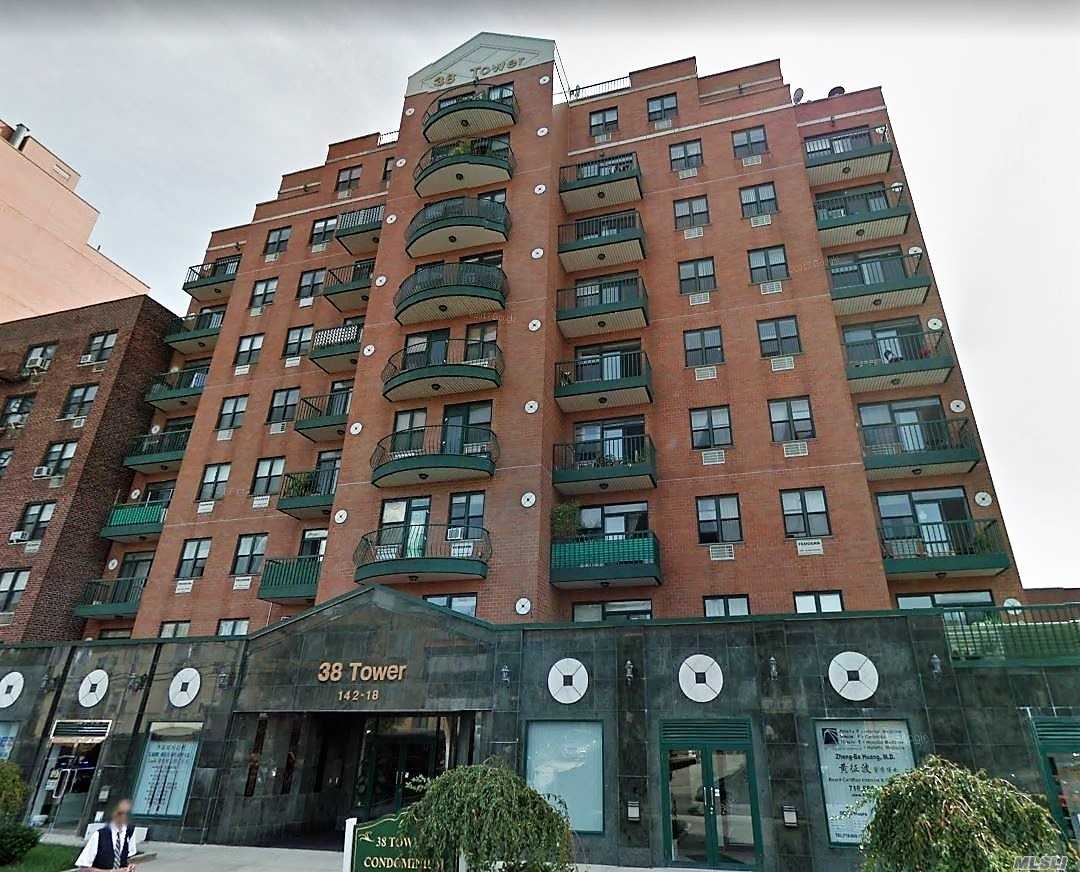 Very Well Kept Mint Condition Condo In The Heart Of Flushing. Featuring Hardwood Flooring, Natural Lighting, Spacious Balcony, 24-Hour Doorman. All The Convenience Of Downtown Flushing: Renown Restaurants, Great Specialty Shops, Unique Boutiques, International Markets, Irresistable Coffee House/Bakery, Entertainment Center. Flushing Transit Hub: #7 Train, L.I.R.R.& Multiple Bus Line.