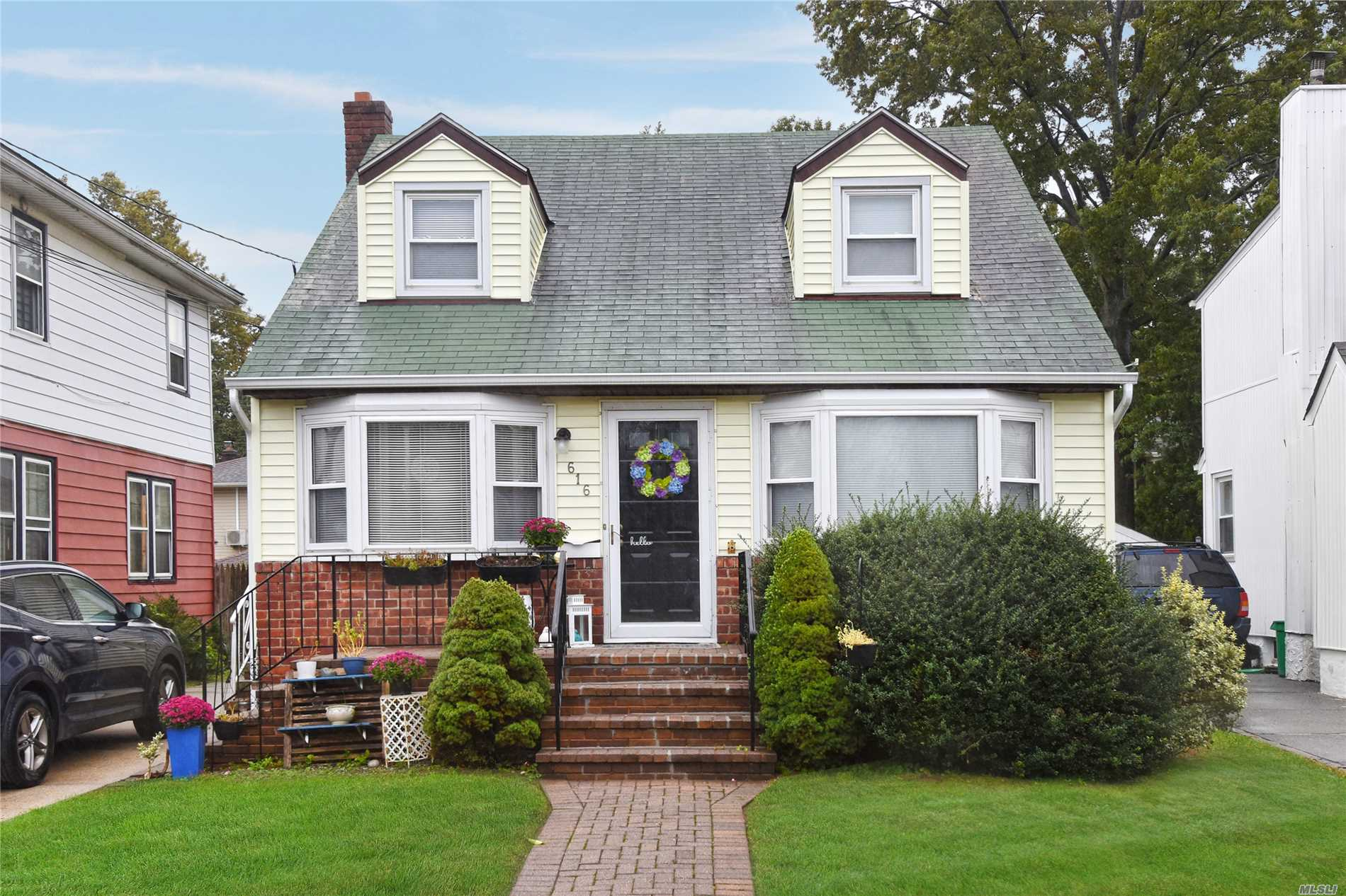 Charming Cape Cod In Desirable New Hyde Park, (4) Bedrooms (2.5) Bathrooms, Newly Renovated Kitchen, Ss Appl., Updated Baths, Hardwood Floors Throughout, Partially Finished Bsmt, Hot Water Tank 2 Years Old. New In-Ground Sprinklers. New Gutters & Leaders, Beautiful Yard. Convenient To All Village Amenities,  House Of Worship, Schools And Restaurants. Walking Distance To Lirr And Buses