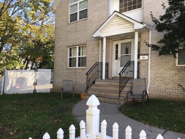 3 Bedroom, 2 1/2 Bath, Living Rm, DIning Rm, Family Rm, Eik, Garage, Yard. Great opportunity on a dead end street.
