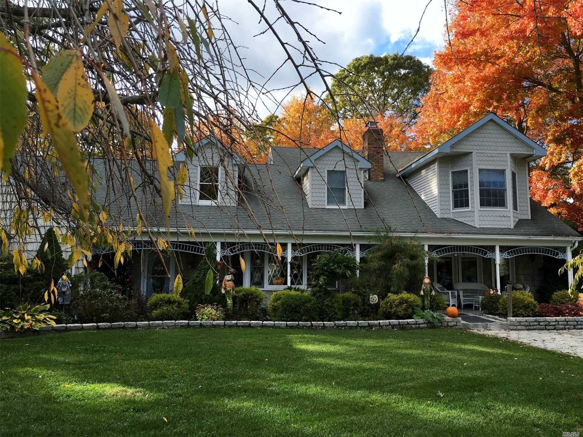 Magnificent 4400 Sf Farm Ranch On Cul-De-Sac In Desirable W Section...Spacious Rooms Through Out Each Level, Flr, Fdr, Den, Eik, 5 Fireplaces, Master Suite W/ Bath & Multiple Closets And A Balcony Overlooking The Park Like Backyard, Featuring Gunite Igp With Pavers, Gazebo, Rose Garden. This Home Has Room For Everyone To Manydetails To List (See Attach)