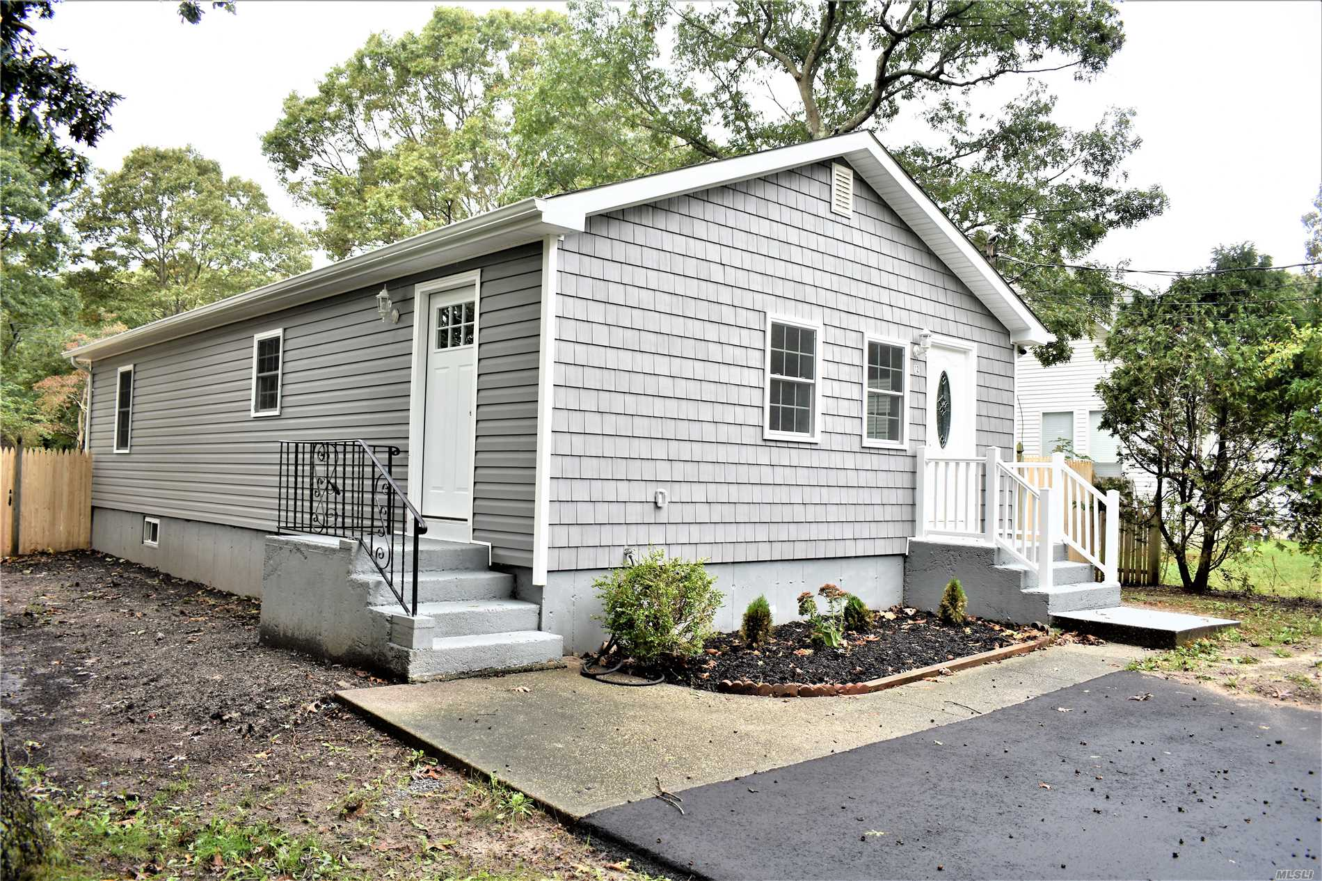Beautifully Renovated Home With 3 Bed, 1 Bath, Brand New Kitchen, Ss Appliances, Granite, Cac, New Siding, New Roof, Hardwood Floors Throughout. And Much More