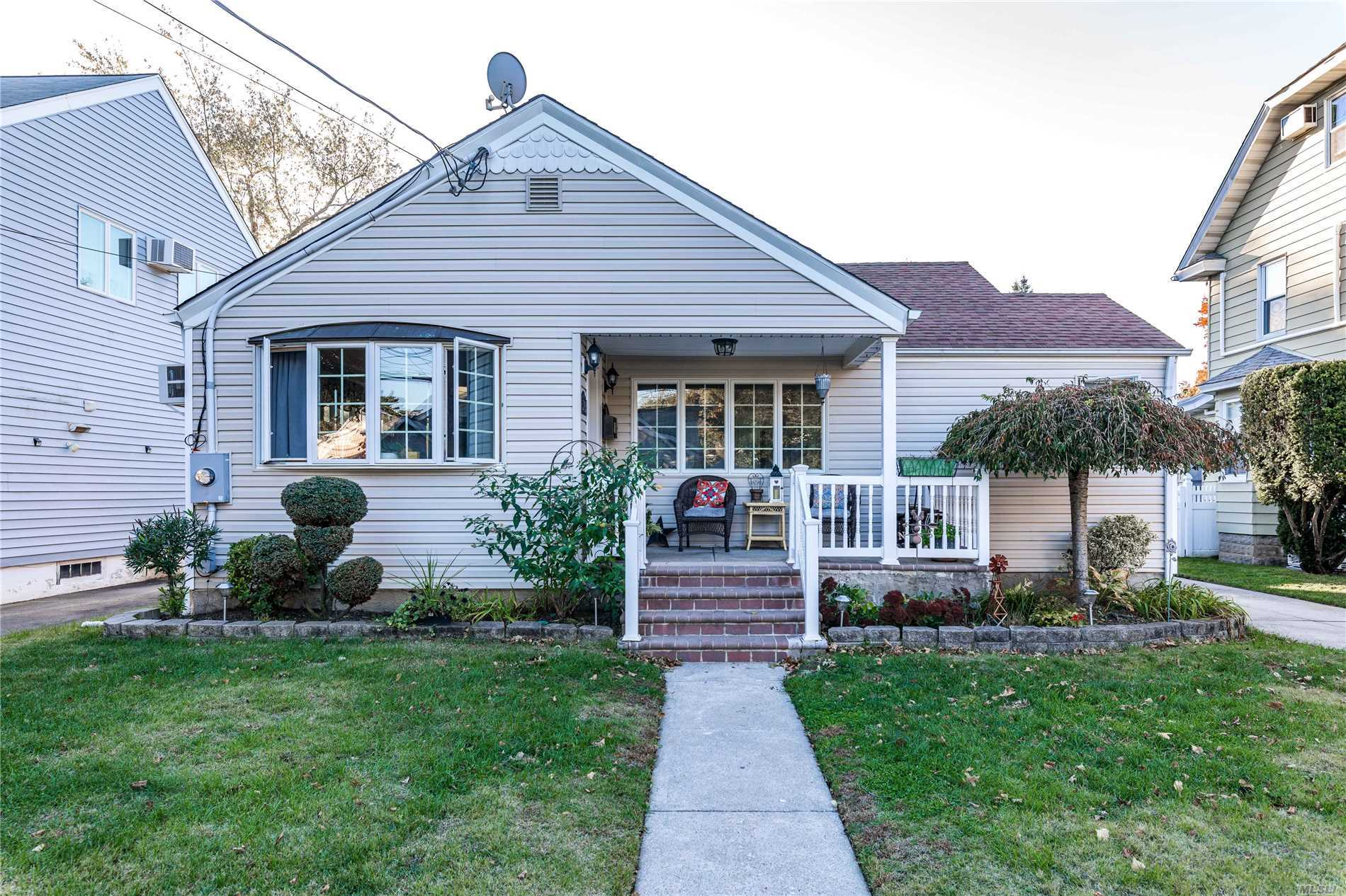 Beautiful, Spacious 3 Bedroom Ranch On A Quiet Tree Lined Street. Living Room With Fireplace, Formal Dining Room, Eat In Kitchen With Stainless Steel Appliances. Full Bath. Great Size Yard.