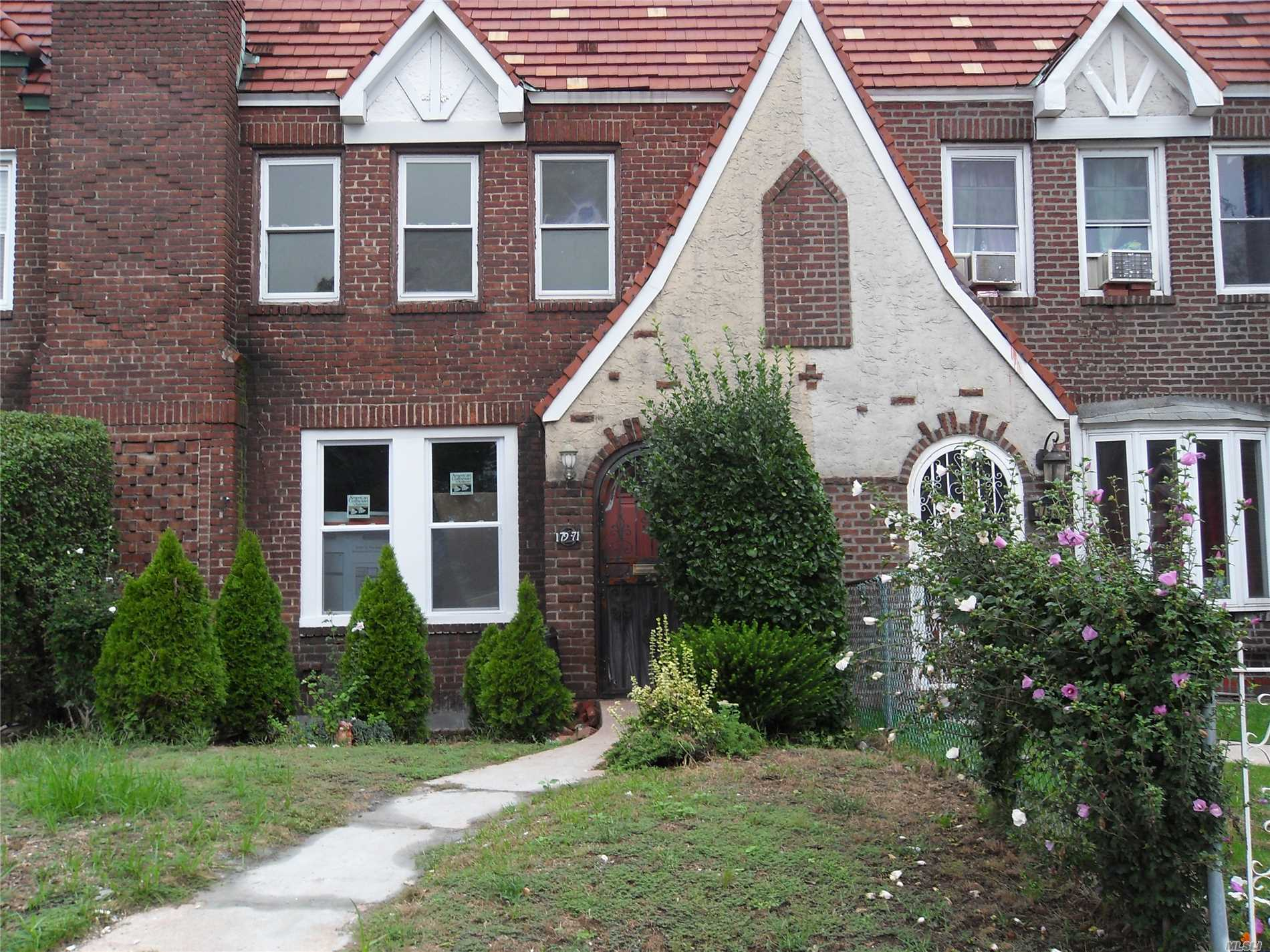 Brick Tudor Home, Renovated, Large Rooms. Livingroom W/Fireplace. Formal Diningroom W/Sliding Doors To Patio, Updated Kitchen - Stainless Steele Appliances And Quartz Countertops,  3 Bedrooms, 2.5 Bathrooms, Finished Basement/W High Ceilings, Additional Fireplace And Separate Outside Entrance. Driveway And Garage In Rear. Situated On Beautiful St Albans Block. Close To All.