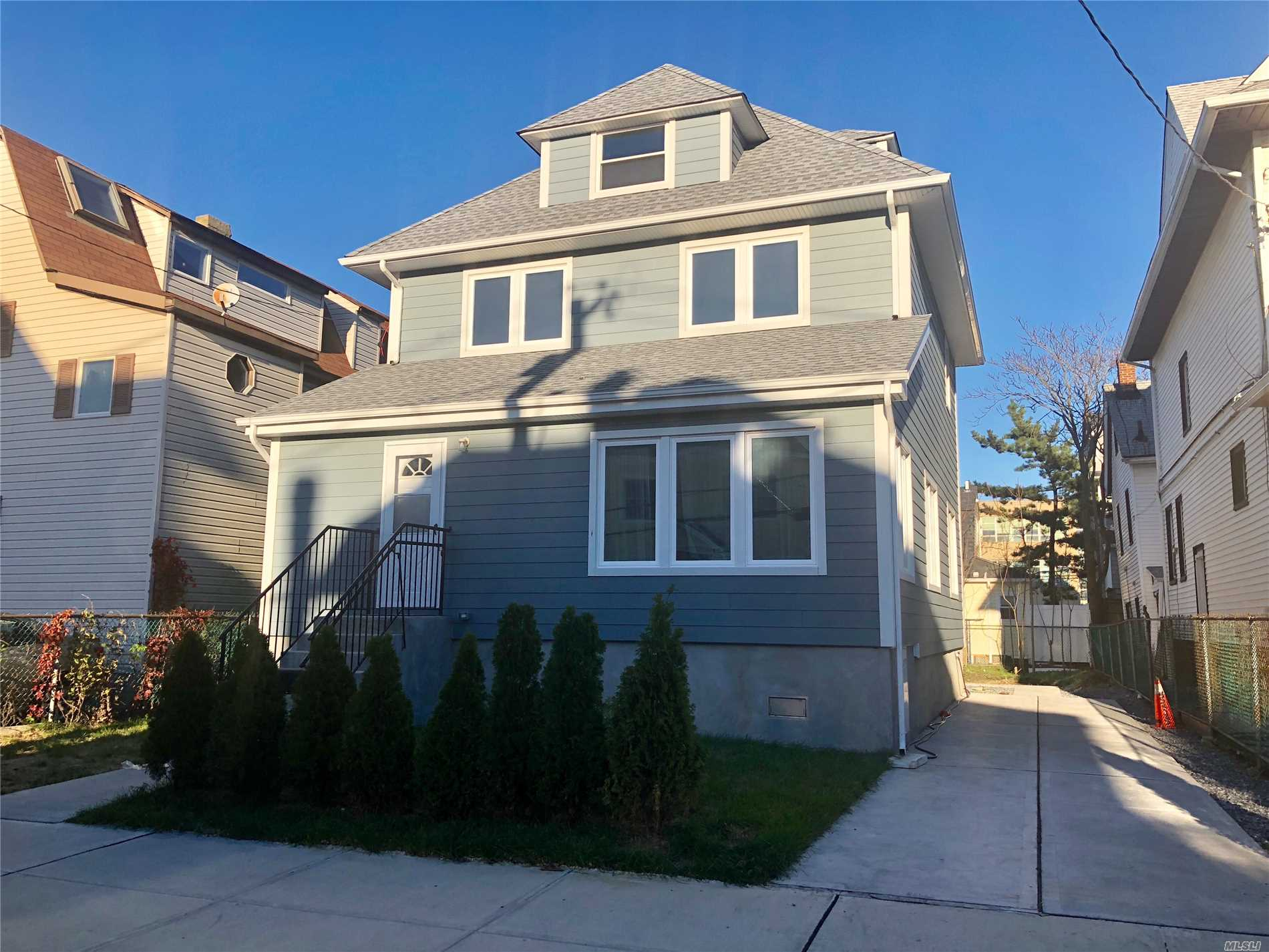 Two Story Apt In A 2 Family House Located On A Beach Block And Close To The A Train To Manhattan And Shopping.The Apartment Has 2 Floors The 3rd Floor Has A Open Space That Can Be Used As The 3rd Bedroom, Everthing Is New, Parking Available In The Driveway.
