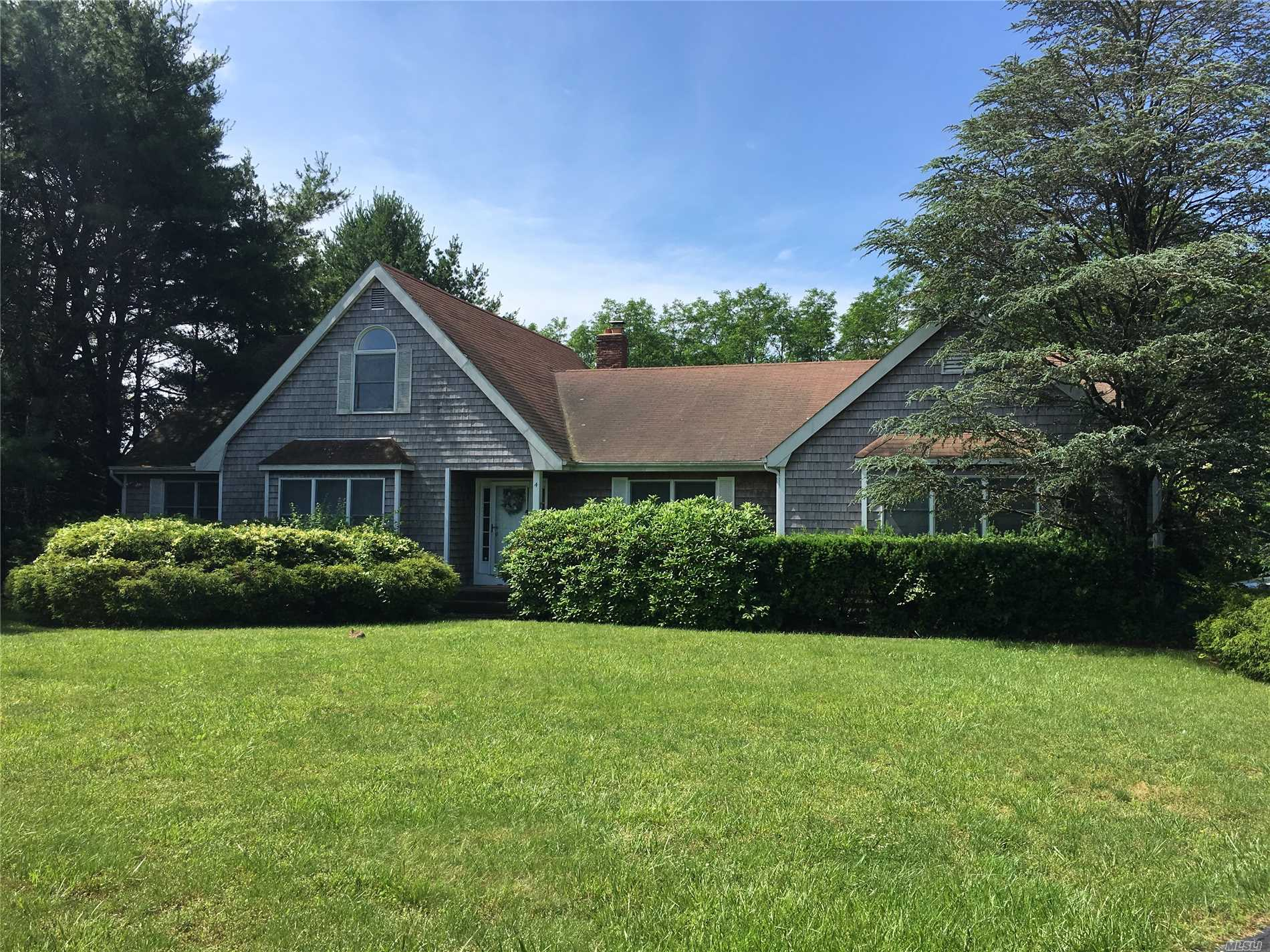 Beautiful Spacious Contemporary!! South Manor Schools. Features Four Bedrooms W Master, Private Cul-De-Sac, Almost Full Acre! Must See!