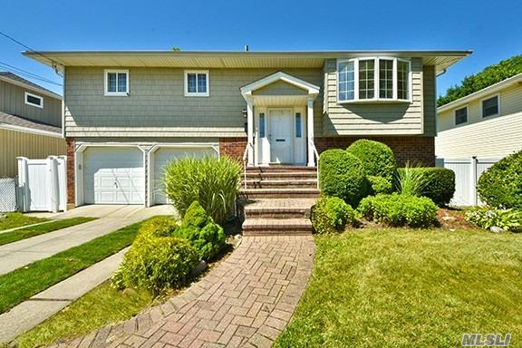 Gorgeous Hi Ranch In The Mandalay Bay Section Of Wantagh. Home Has Rear Extension With Deck. Elementary School Is A Couple Blocks Away. Available For Occupancy 11/15.
