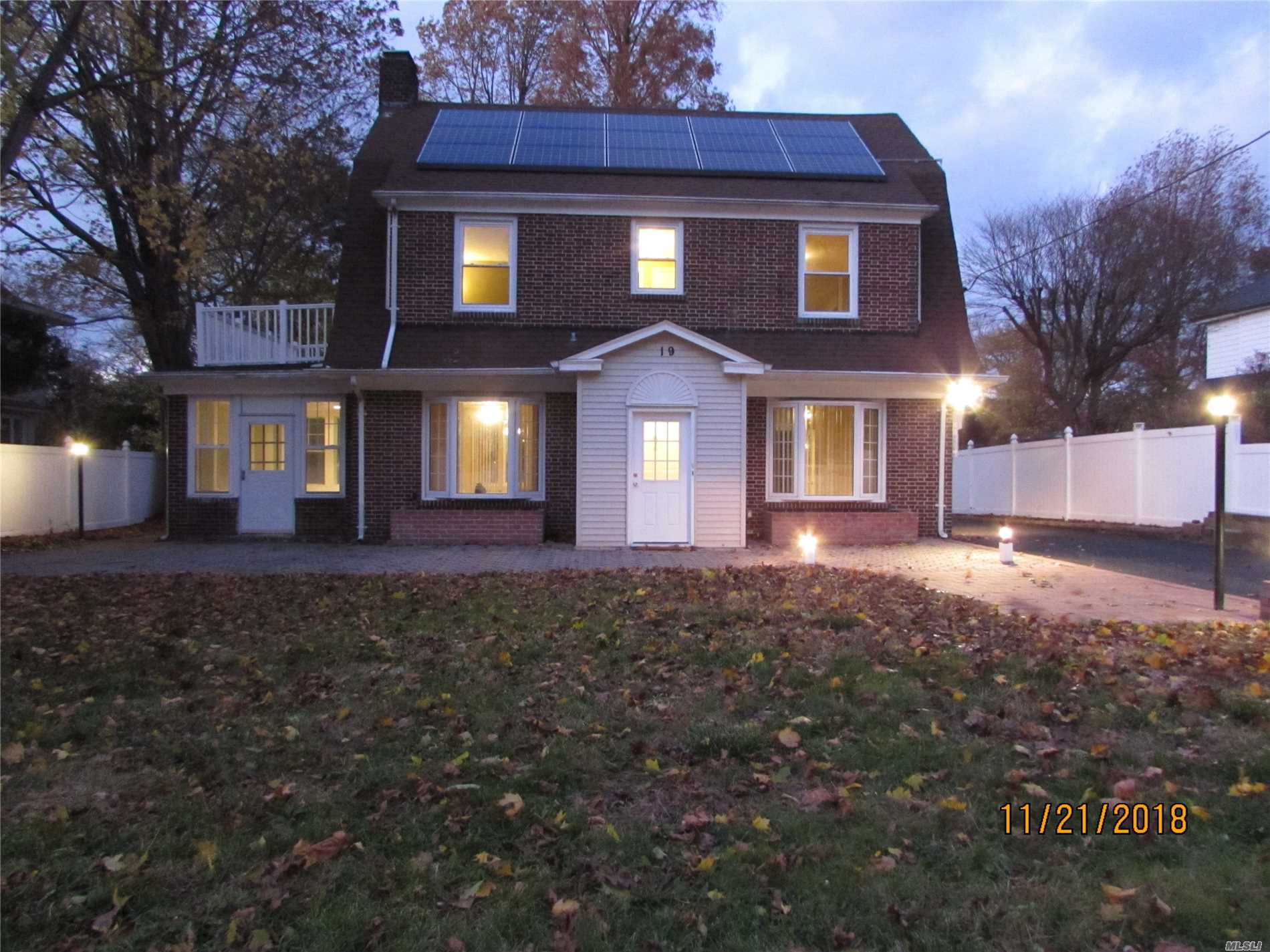 Spacious Charming Dutch Colonial Home With Updated Kitchen & Baths, Hard Wood Floors Throughout And A Stone Fireplace In The Living Room. Conveniently Close To The Downtown Area In Glen Cove, Near Shopping, Lirr & Hospital. Beach And Golf Course Privileges.