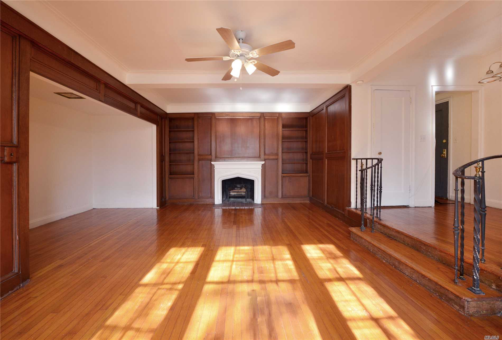 * Great Spacious Studio Apartment In Forest Hills Gardens. Just A Few Blocks From 71st Ave. Subway Station (F, E, R, M Lines) And Lirr Station. * It's On 3rd Floor, Facing South With Direct Bright Sun-Lights Clean, Newly Painted, Coated Shiny Wood Floors, And Conveniently Feature Three Closet Spaces. * Building Amenities Include Gym ($12/Mo With Initial Fee), Laundry Facility, Residence Lounge With A Pool Table, , Outside Courtyard. * P-T Doorman (From 5Pm To 1Am). Current Assessment $207.58/Mo.