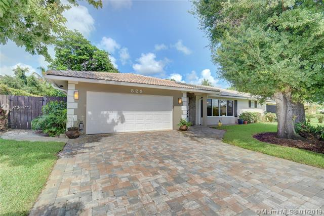 A+ School District.4 Bed Rooms, 2.5 Bathrooms.Total Size Is 3, 500 Sqf. Very Large Open Kitchen With Many Cabinets, Granite Counters, Stainless Still Appliances.All Bathrooms Were Just Renovated. New Walk In Closet In Master Bedroom, Separation Of 2 Vanities In Master Bathroom For Privacy.<Br />800 Sqf Screen Porch.2 Car Garage And 2 Sheds In Back Yard.No Hoa.<Br />Windows Were Replaced On 2017 To Hurricane Proof.The Roof Is Tiles Roof With Expecting Life Until 2035-2040. Paved Driveway With Room To 4 Cars. Sprinklers System That Get The Water From A Well And A Pump.By Using A Well You Save A Lot On The Water Bills. All Lights Are Led And Efficient.All Renovations Were Done Last 2 Years.New 5 Ton Super Efficient Ac And New Ducts.Very Low Electric/Water Bills.Double Convection Oven/Micro Wall Unit New