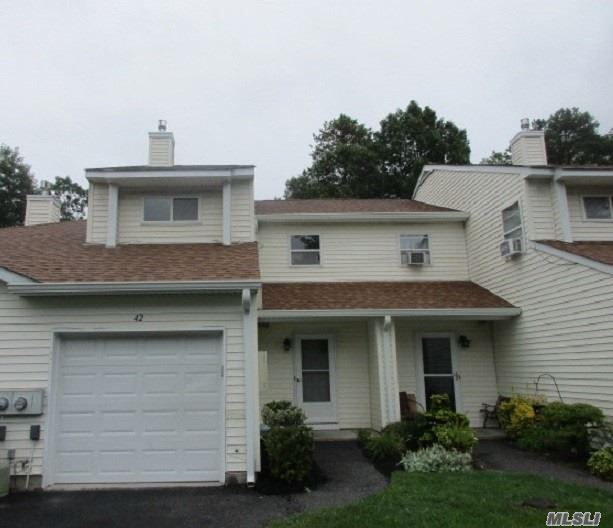 This Is A Fannie Mae Homepath Property. Spacious 1376 Sq Ft Townhouse Style Condo Featuring Lr, Dr, Eik, 2 Brs And 1.5 Baths, Rear Deck For Outdoor Entertaining And 1 Car Attached Garage With Driveway Parking. Easy Access To Long Island Expressway.