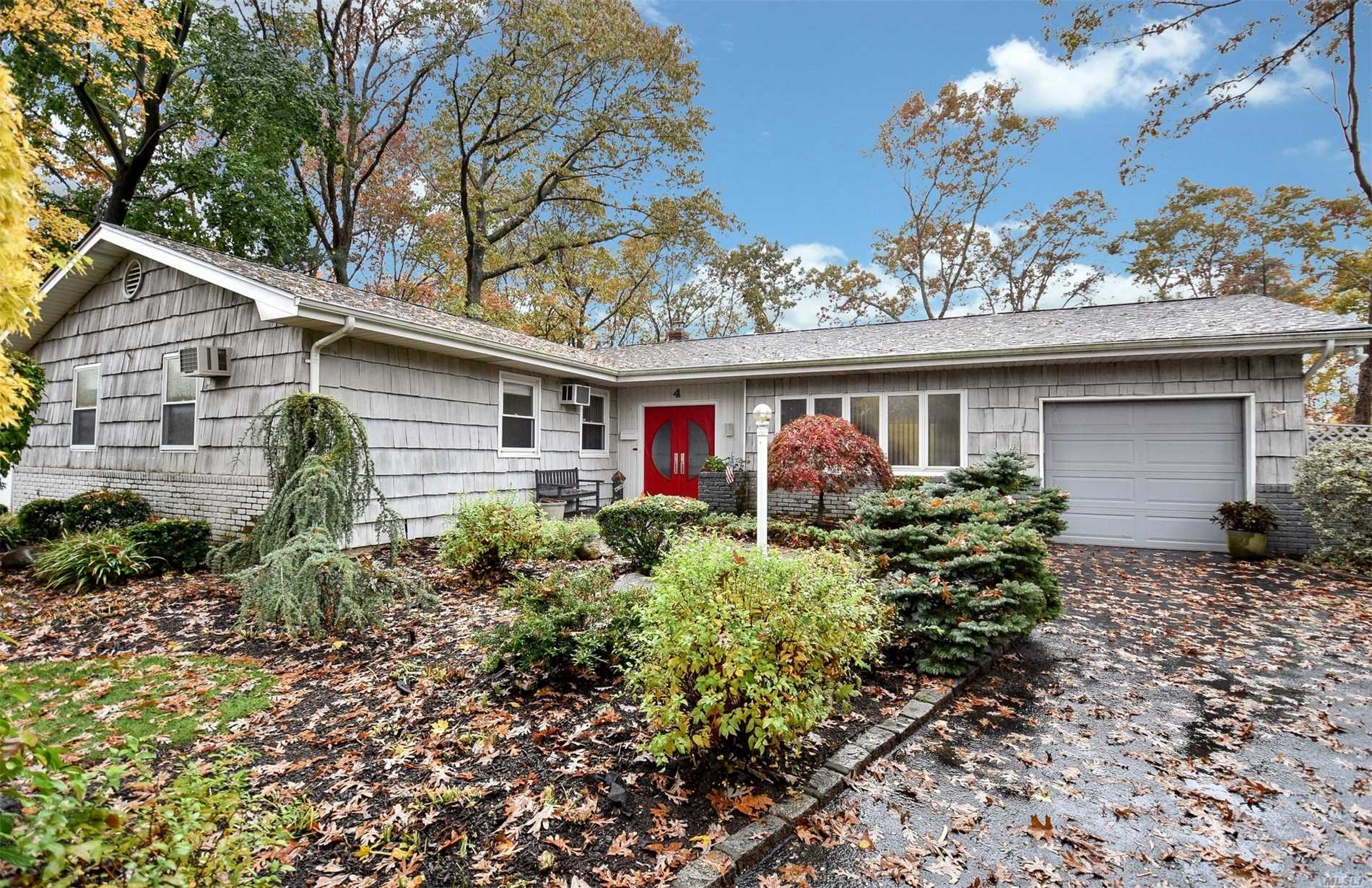 This Wonderful Open And Airy Ranch Is Perfectly Situated On A Half Of An Acre In A Perfect Cul De Sac In The Commack School District . Gas Heating, Skylight, Updated Kitchen And Baths, Prime Location. Full Basement. Part Finished For Extra Living Space And Room For Storage. Washer/Dryer