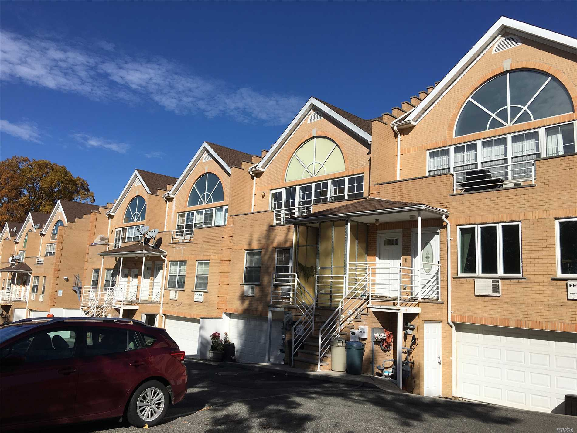 Beautiful Young 3Brs 2Bath Duplex Apt In Excellent Condition! Sunny And Bright. High Ceiling! School District #26. J.H.S 67. Close To Bus, Highway, Schools, Shopping Center, Movie Theater, Etc. Prime Location!