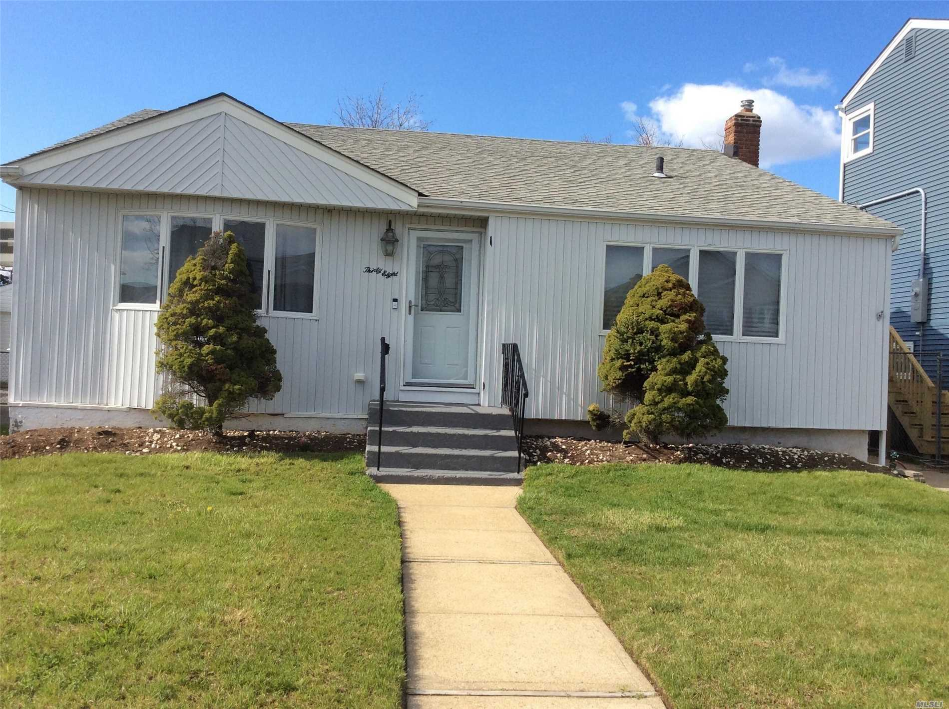 Priced To Sell!! Don't Miss Out!! Right Off The Famous Nautical Mile!!
