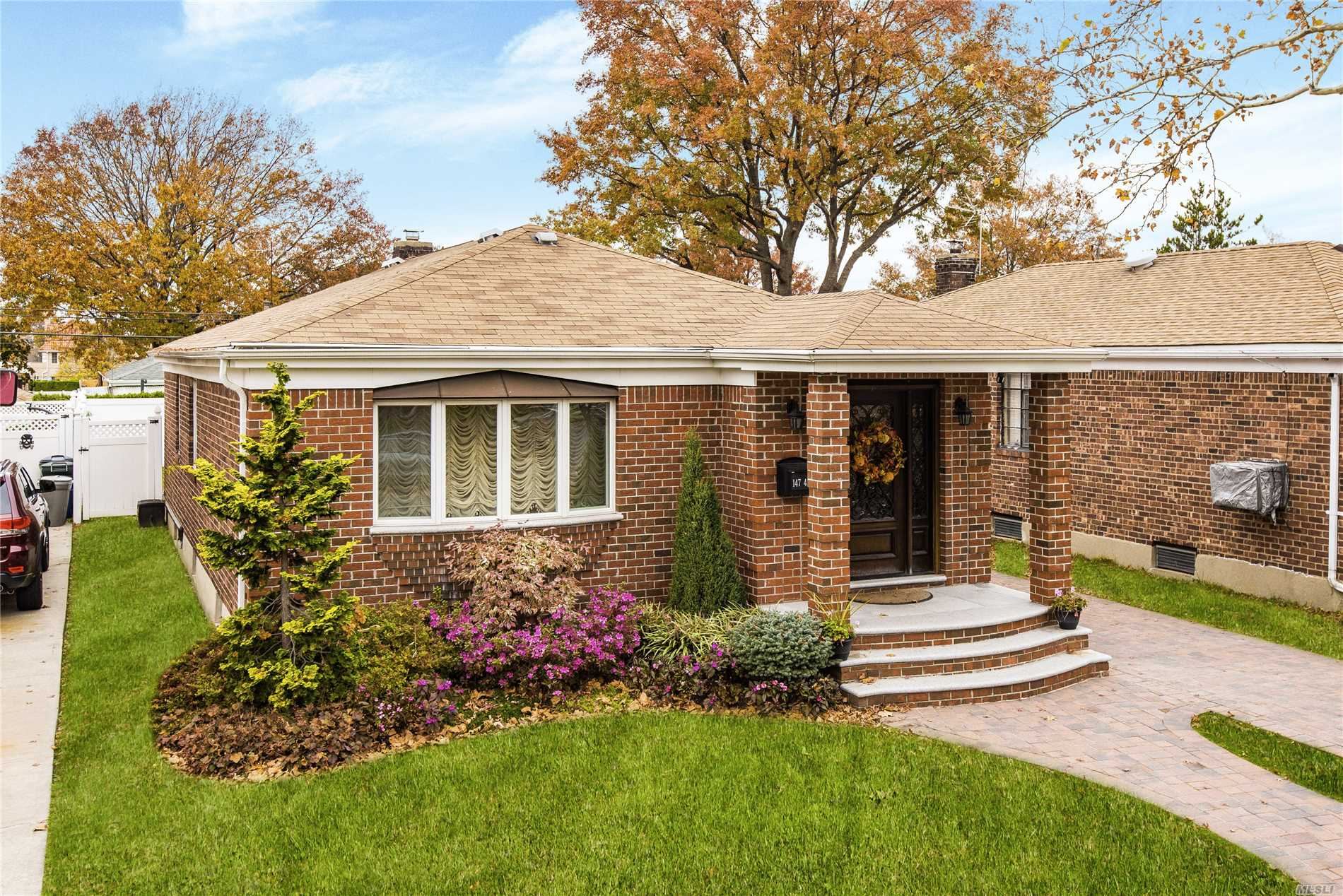 Stunning, One Of A Kind Fully Renovated Brick Ranch Situated In The Heart Of Whitestone. Open Concept Eat In Kitchen W/ Granite Countertops & Top Of The Line Appliances. 3 Spacious Bedrooms & 2 Full Baths. Custom Crown Moldings W/Hardwood Floors Throughout. Fully Renovated Basement W/ Full Bath, Laundry Room & Playroom. (Room For 4th Bedroom) New Plumbing & New Electrical Throughout. Close To Express Bus, Lirr, 7-Train, Schools, Shops, Parks & All Major Highway! Move Right In!!! A Must See!!!