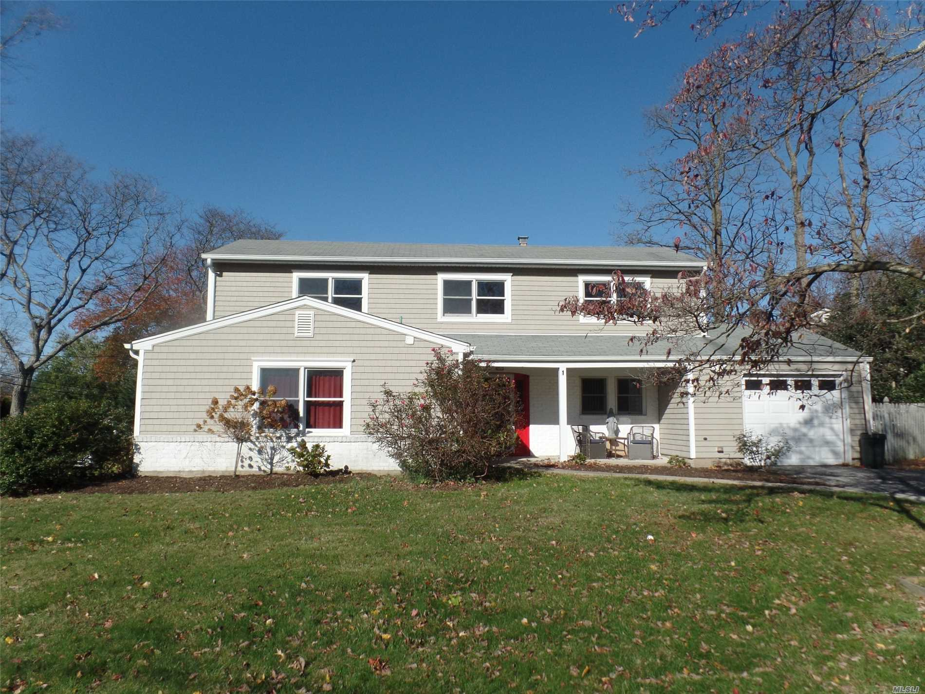 Beautiful Home For Rent In The Heart Of Huntington. Lots Of Updates To The House, Including The Kitchen And Full Bathroom. Open Floor Plan With Fireplace In The Living Room. Large Yard. Huge Basement For Storage. Garage Included. Will Not Last!