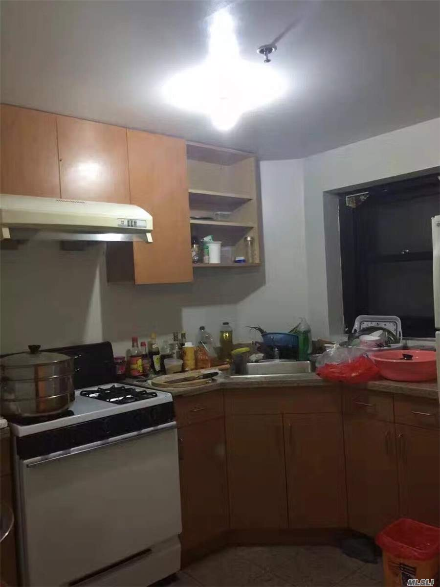 Rare Find One Bedroom. Two Bathroom Apartment In Downtown Flushing. Near Everything . The Apartment Is South Facing With Balcony . Good Opportunity For Investment.