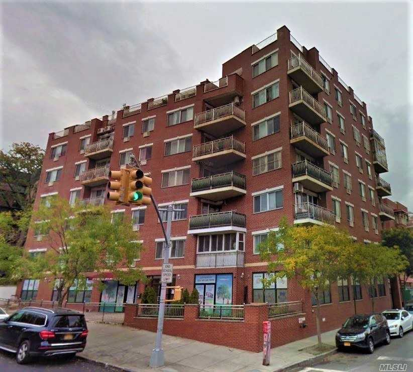 Bright & Spacious Southward Facing 2-Bedroom Apartment Has Large Windows For Natural Lighting, Wood Flooring Throughout And Private Balcony. Located Just Minutes From Supermarket, Restaurants, Coffee Shops, Movie Theaters, D.M.V., Whitestone Expy, Bus Stops: Q25/34 To Downtown Flushing, Qm2/20 To Manhattan.