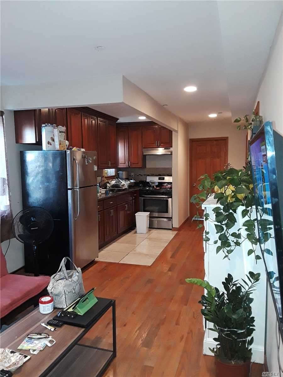 This Is A Very Nice Apartment On The 2nd Floor. All Utilities Are Excluded. Require Income Verification And Good Credit. By Appointment