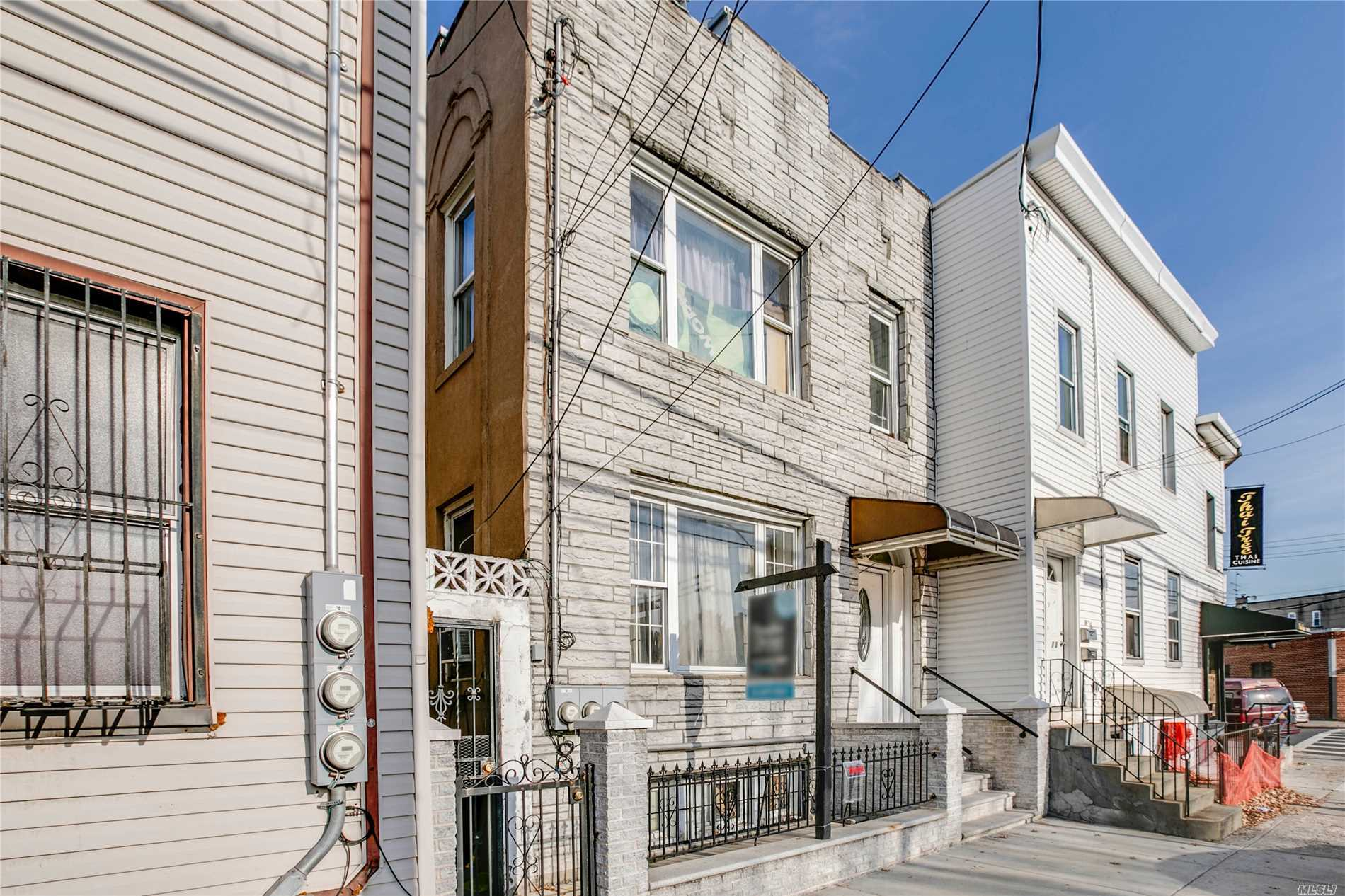 Great Condition, Semi-Detached Frame Home On The Borderline Of Long Island City And Sunnyside! A Rare Opportunity To Purchase A Two Family Home In A Prime Location! 20X61 Building Size, Full Finished Basement, Property Is In Need Of Minor Repairs. Partially Tenant Occupied But Can Be Delivered Vacant.