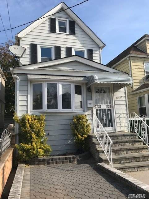 House Rental, Hardwood Floors, Stainless Steel Appliances, Washer And Dryer And Internet Provided By Landlord.