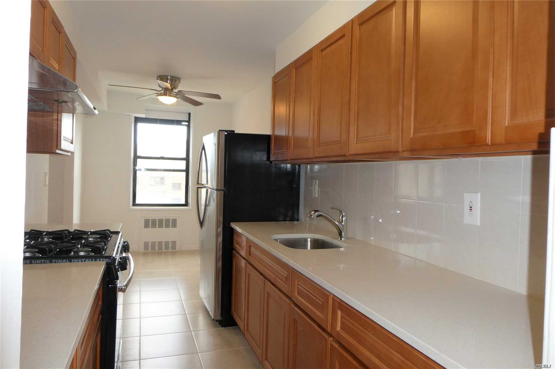 Newly Renovated Large 2 Bedroom Condo. Conveniently Located Near Queens College And Townsend Harris High School. Bright Corner Unit With Spacious Floor Plan Approx 975 Sqft. Hardwood Floors Throughout. Low Cc Include Hot Water, Heat And Cooking Gas. Q25/Q34 To Flushing, Q64 To Forest Hills, Qm4 Express Buses To City.