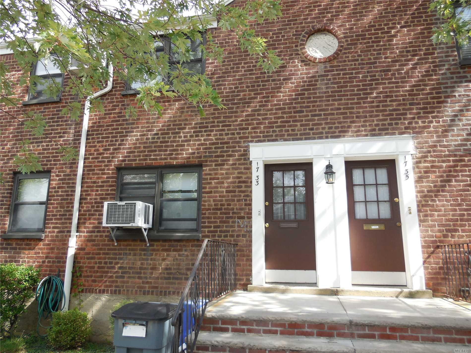 This Is A Corner Lower With A Beautiful Bay Window In The Livingroom, Hardwood Floors, Updated Kitchen, 2Ac Units.Move In Condition!! Close To Stores, Express Bus And Highways.