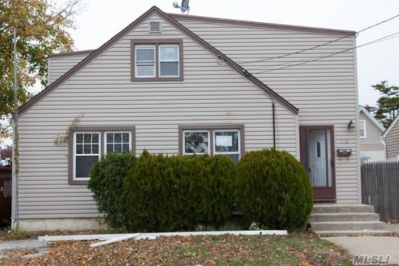 Beautiful Colonial, Newly Renovated, Kitchen (Granite Counter Tops) Stainless Steel Appliances, Full Finish Basement, Hugh Bedrooms, Quiet Block. Won't Last.