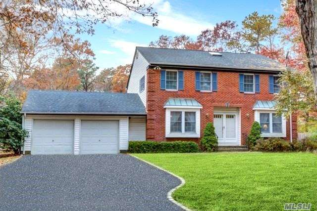 Fabulous 4/5 Br, 3.5 Bath Colonial W/480 Sq.Ft. Acc Apartment In Desired Eastport-South Manor Schools! Eik W/Oak Cabinets, Granite Counters, Jen-Air Stove W/Grill & Griddle, Tumbled Marble Backsplash, Ceramic Tile, & Butler's Pantry, Den W/Fplc, Updated Bath, Kohler Fixtures, Custom Paint & Moldings, Pre-Finished Hardwood Floors, Newer Carpet, Andersen Windows & Doors Throughout, Generator Ready, Nicely Landscaped 1.3 Acres W/18X36 Igp, Igs, Cobblestone Lined Drvwy, Perfect For Horses! Must See!