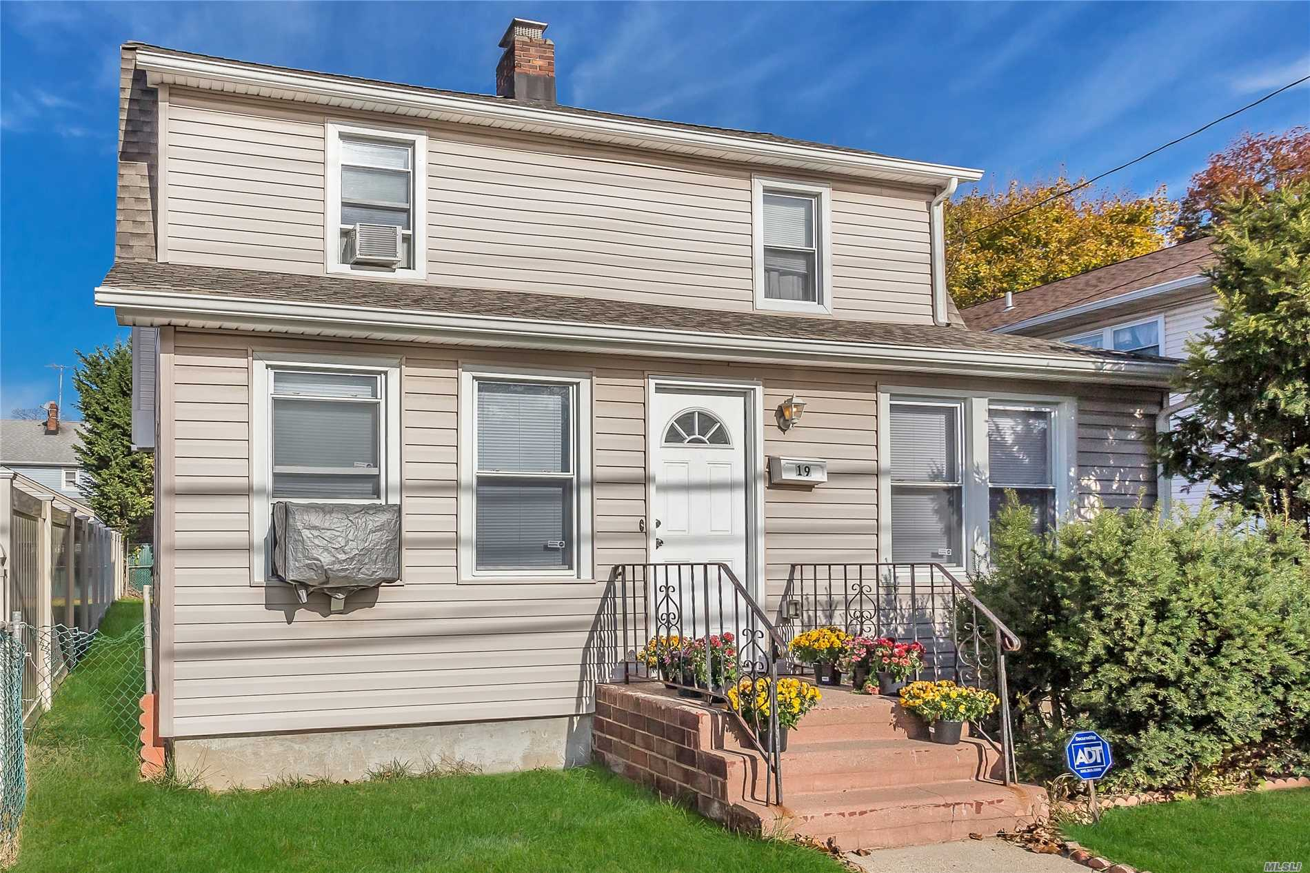 Newly & Completely Renovated In 2013, This Colonial Offers It All. Situated On A Private Residential Block, 5 Blocks From Garden City & 3 Blocks From Lirr. Features Open Floor Plan W/ Tons Of Natural Light. Granite Eik W/ Ss Appliances, Hardwood Floors Thru-Out, Fireplace, Ground Floor Bedroom & Full Bath. Spacious Master +2 Large Bedrooms & Full Bath On 2nd Floor. Private Rear Ose To Finished Basement & Utili. Hi-Hat Lighting Thru-Out. Gas Heat & Cooking. Long Driveway+2.5 Car Garage. Laundry.