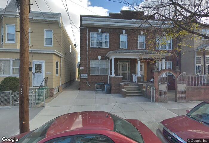 Lovely Two Bedroom Apartment For Rent In College Point Features Living Room, Dining Room, Eff Kitchen And One Full Bath. Hardwood Flooring Throughout With Ample Natural Sunlight. Close To Transportation And Shops! A Must See!
