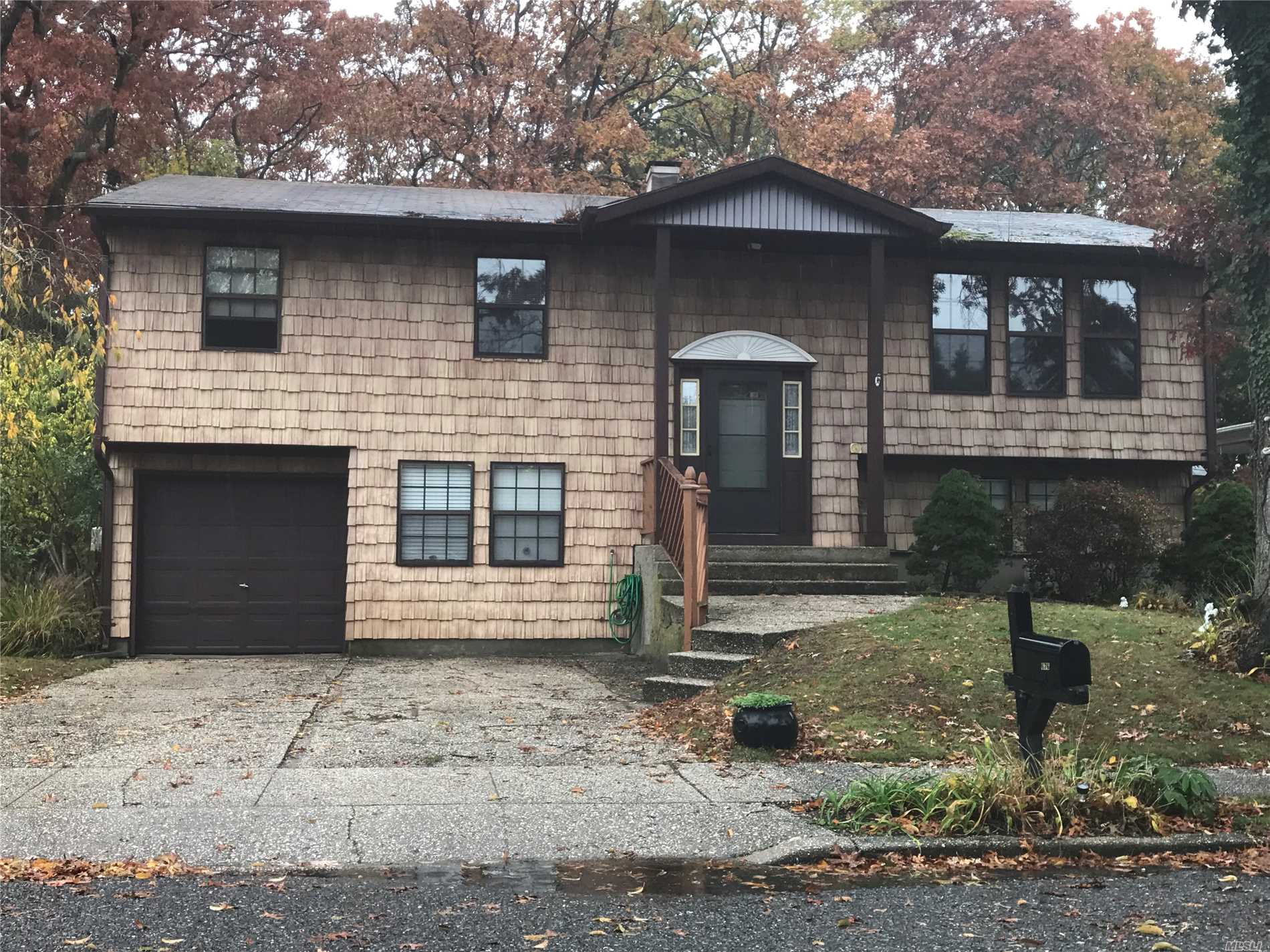 Large Rooms With Lots Of Room! Accessory Apartment With Proper Permits. Fenced Yard. Bring Your Decorating Ideas!
