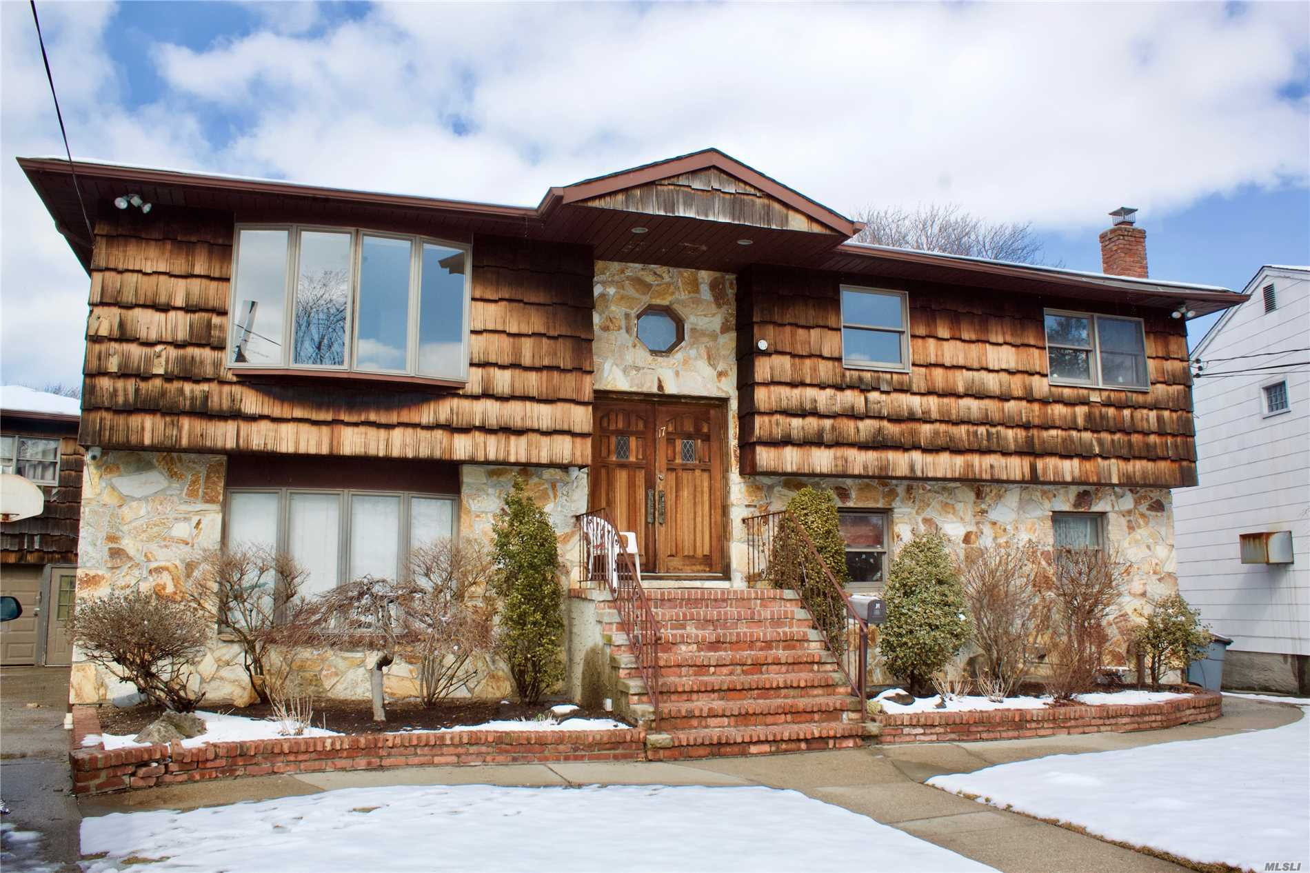 Wonderful Wideline Hi-Ranch, 5 Br, 3 Full Bath With Detached Garage, Attic For Storage, Granite Eat-In Kitchen And Formal Dining Room. Great Yard For Entertaining, In-Ground Pool, Bar, Stone Bbq Area, A Must See!!! Needs Tlc.